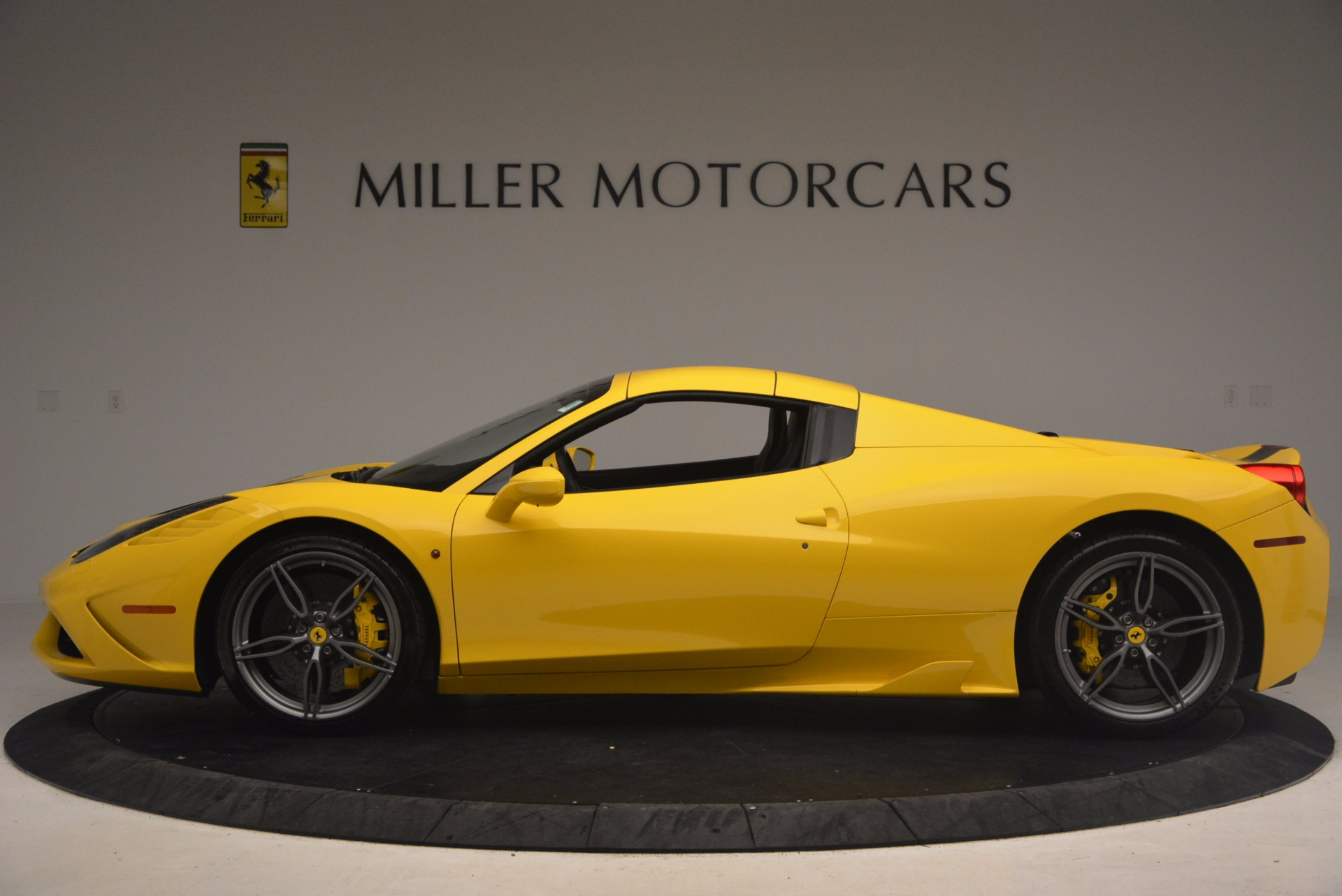 Used 2015 Ferrari 458 Speciale Aperta  For Sale In Westport, CT 1360_p15
