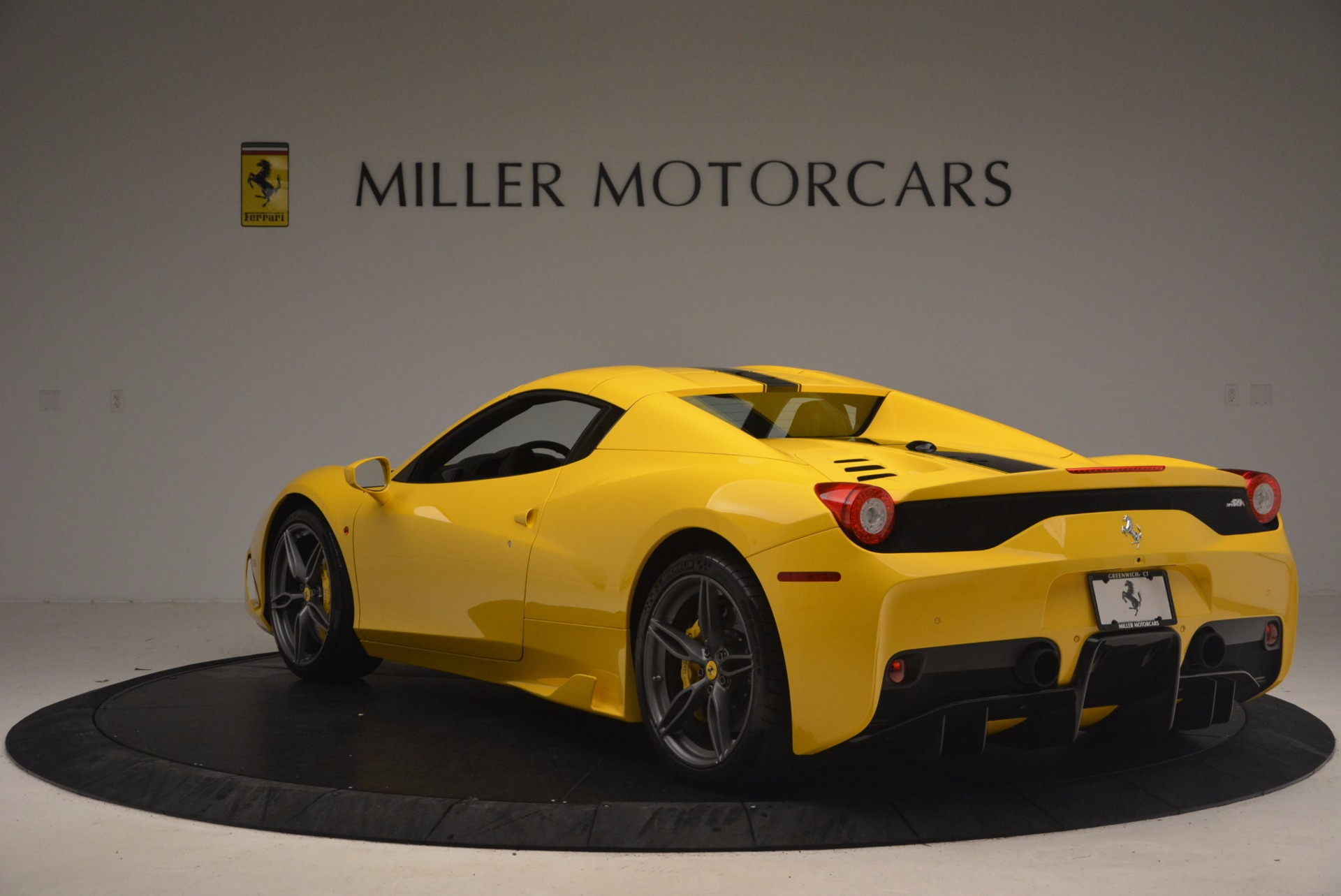 Used 2015 Ferrari 458 Speciale Aperta  For Sale In Westport, CT 1360_p17