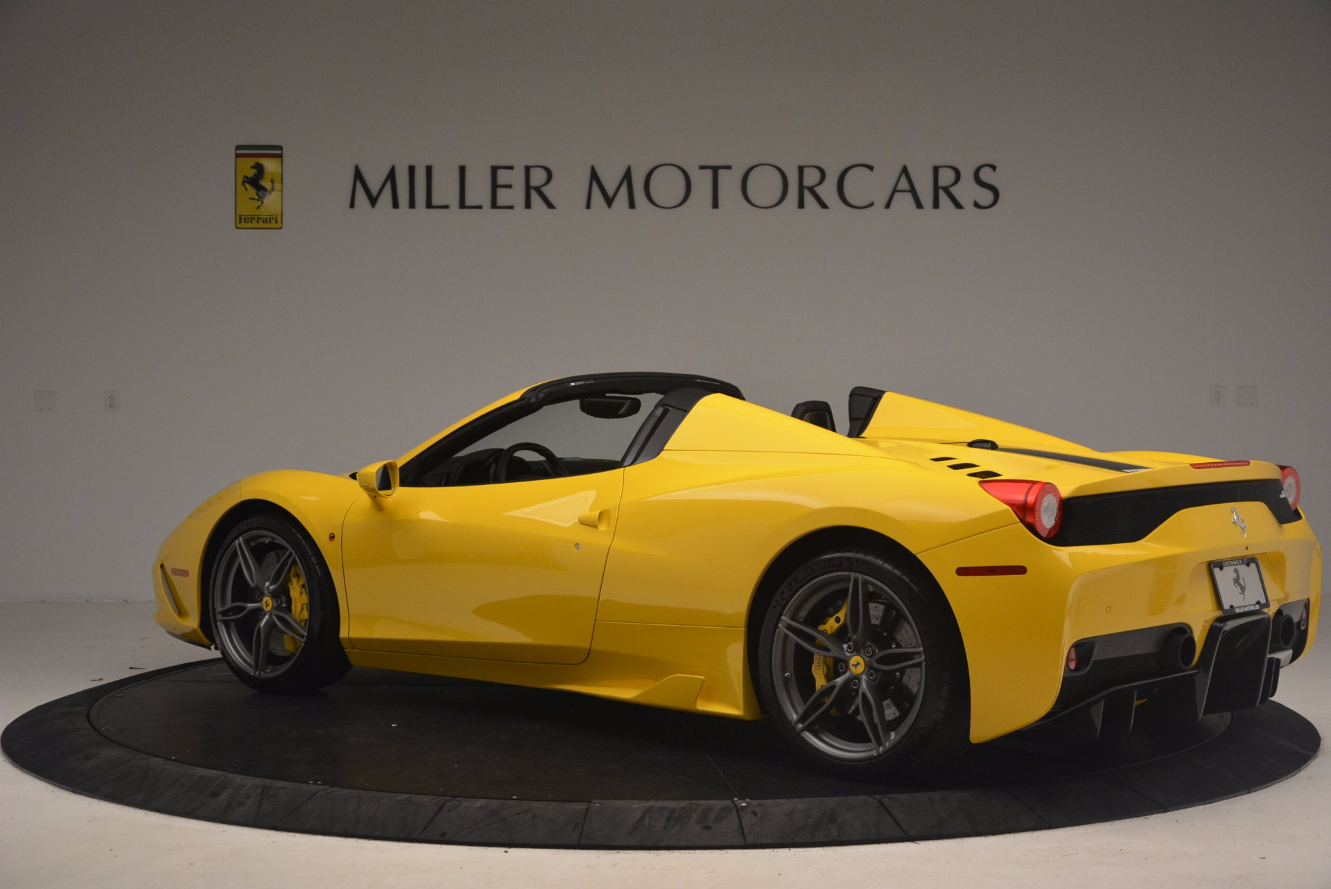 Used 2015 Ferrari 458 Speciale Aperta  For Sale In Westport, CT 1360_p4