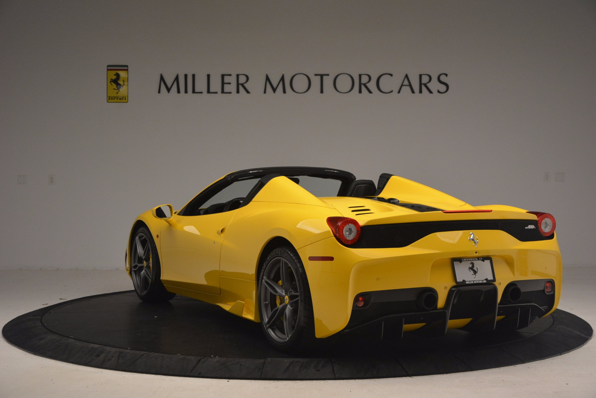 Used 2015 Ferrari 458 Speciale Aperta  For Sale In Westport, CT 1360_p5