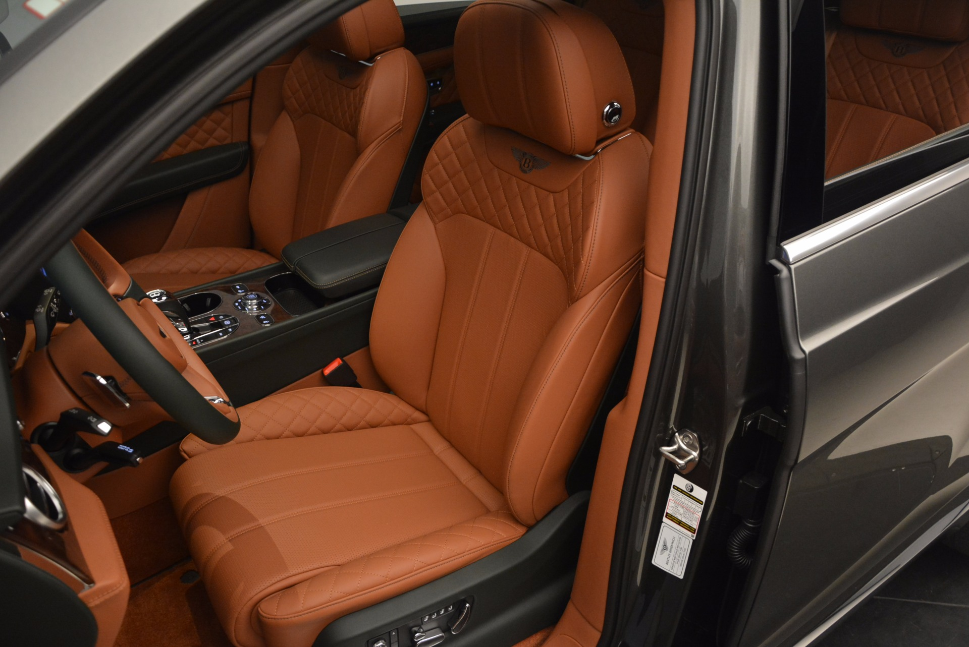 New 2018 Bentley Bentayga  For Sale In Westport, CT 1363_p25