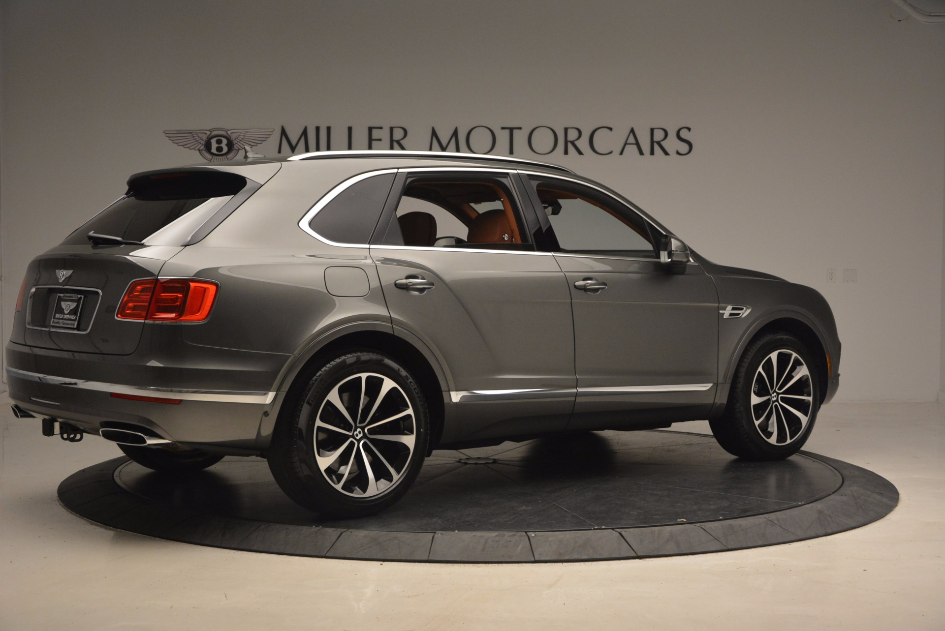New 2018 Bentley Bentayga  For Sale In Westport, CT 1363_p8