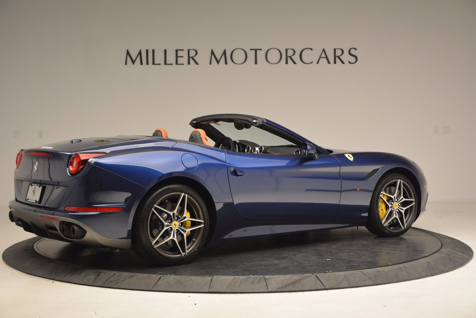Used 2017 Ferrari California T Handling Speciale For Sale In Westport, CT 1394_p8