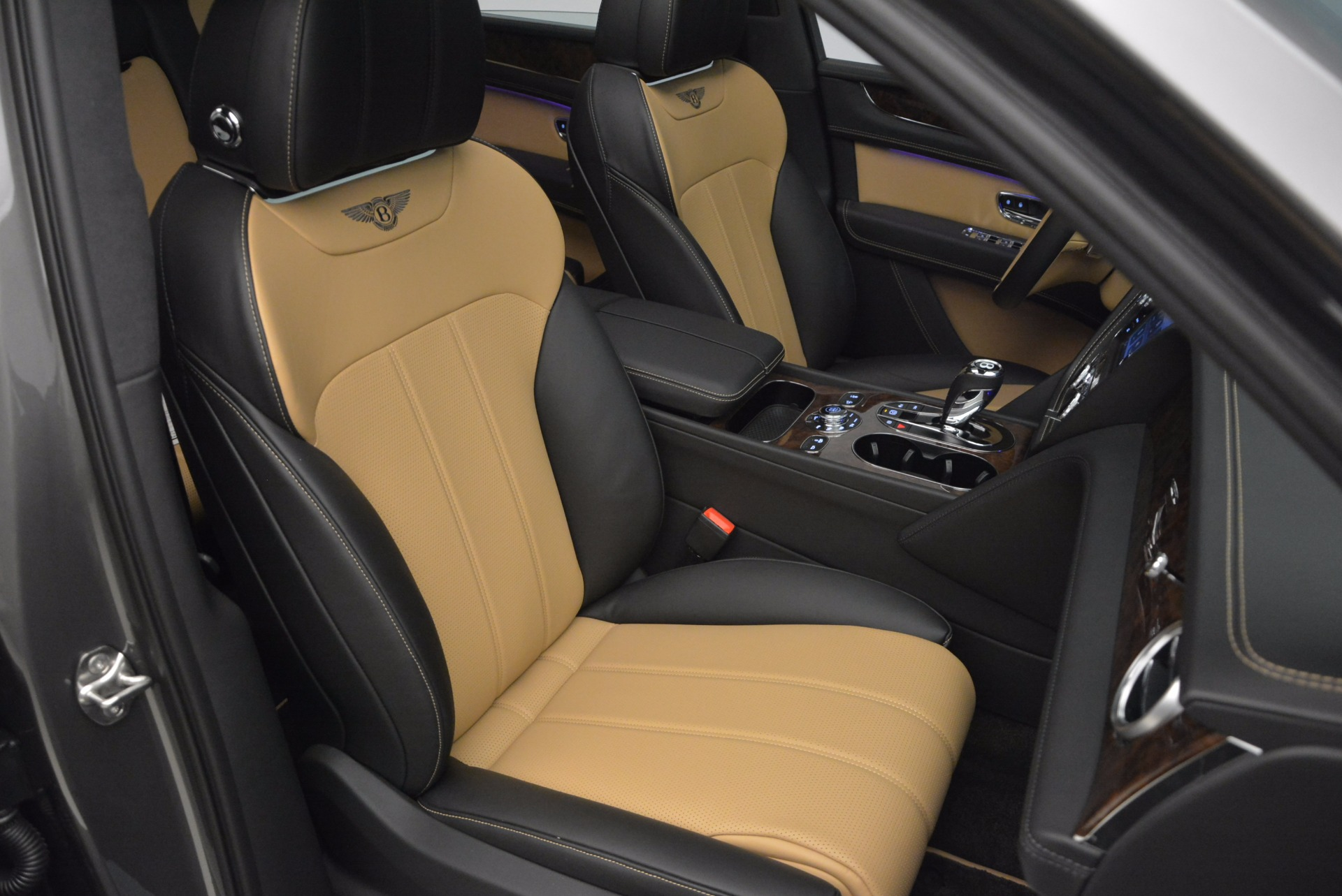 New 2018 Bentley Bentayga Activity Edition-Now with seating for 7!!! For Sale In Westport, CT 1396_p43