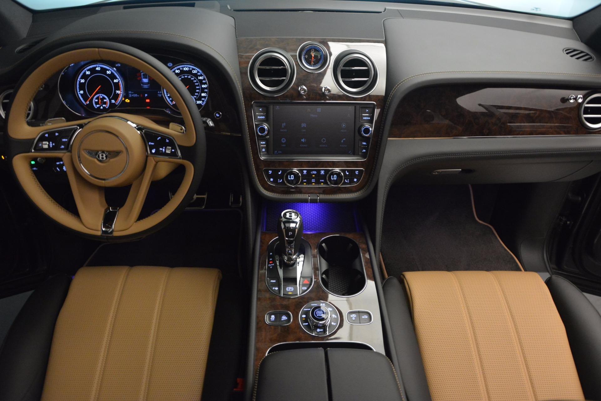 New 2018 Bentley Bentayga Activity Edition-Now with seating for 7!!! For Sale In Westport, CT 1396_p47