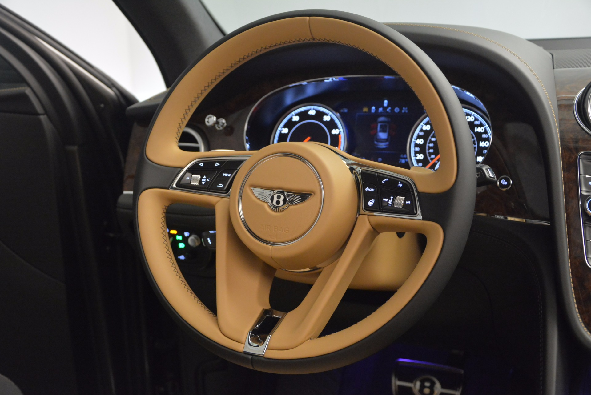 New 2018 Bentley Bentayga Activity Edition-Now with seating for 7!!! For Sale In Westport, CT 1396_p52
