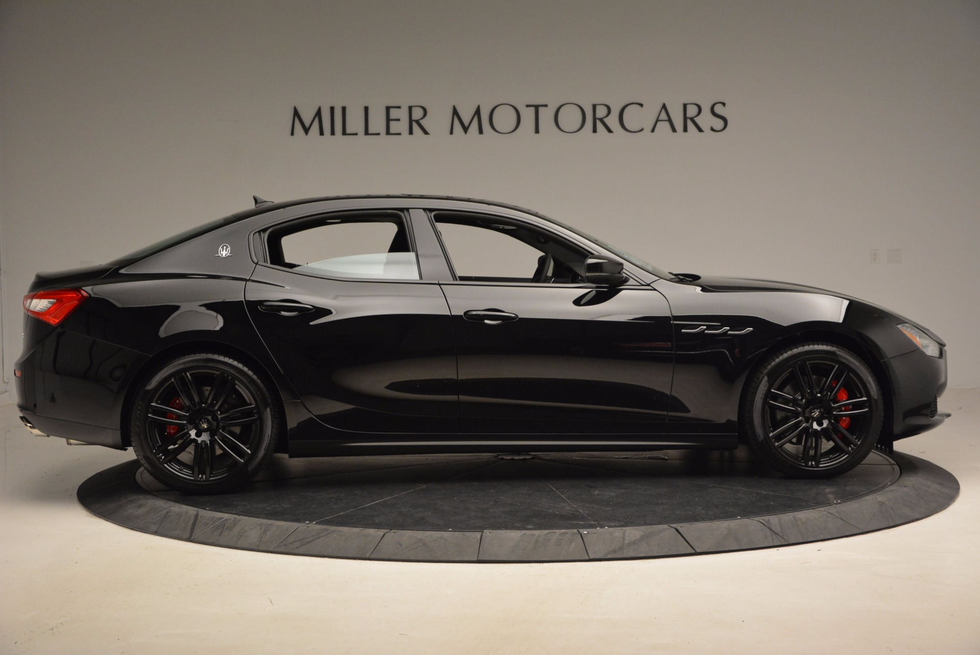 New 2017 Maserati Ghibli Nerissimo Edition S Q4 For Sale In Westport, CT 1420_p9