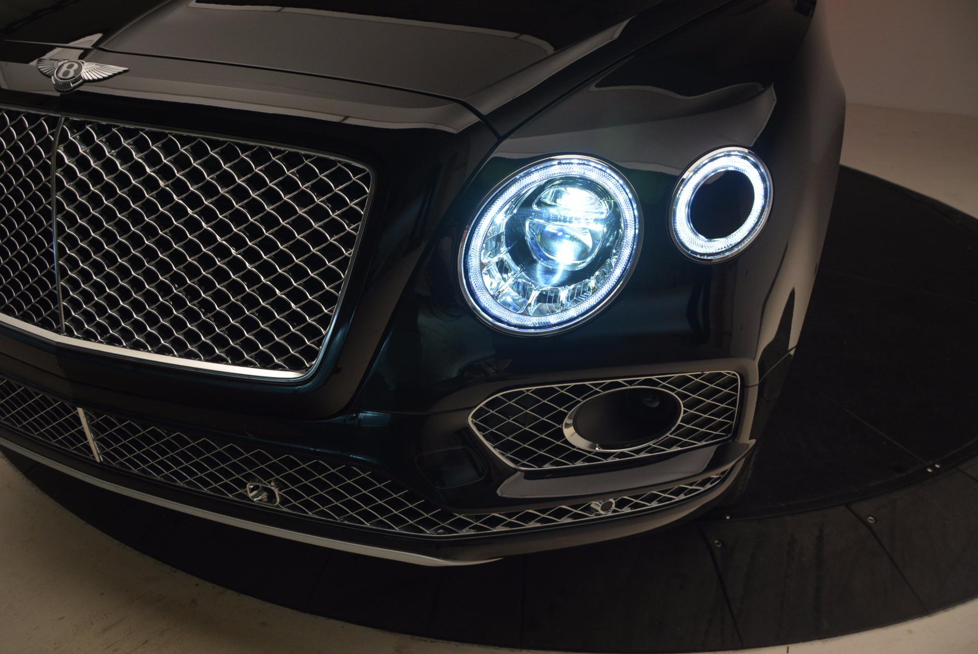 New 2018 Bentley Bentayga Signature For Sale In Westport, CT 1424_p17