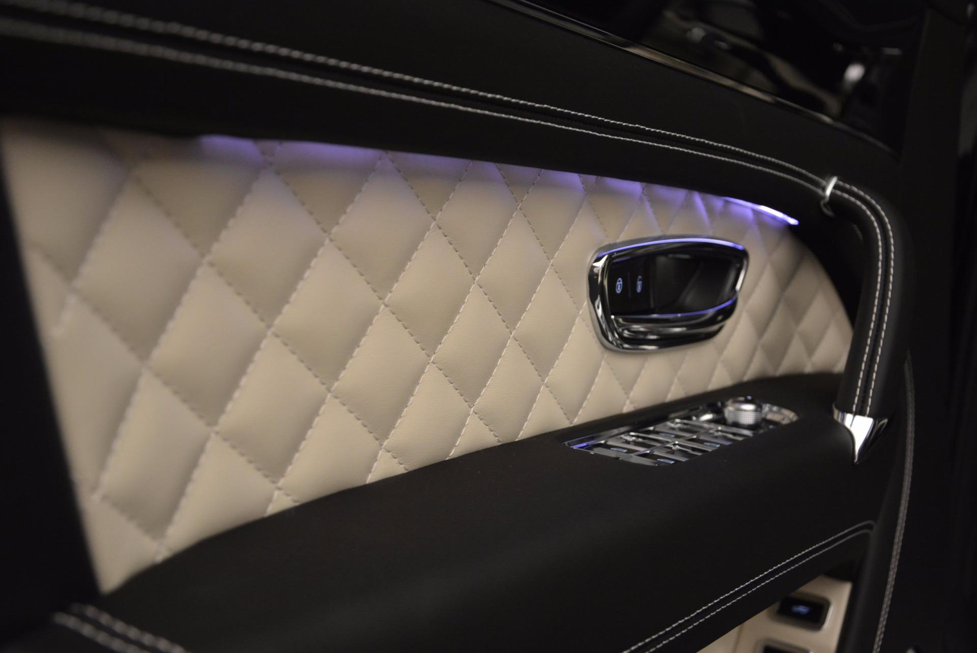 New 2018 Bentley Bentayga Signature For Sale In Westport, CT 1424_p23