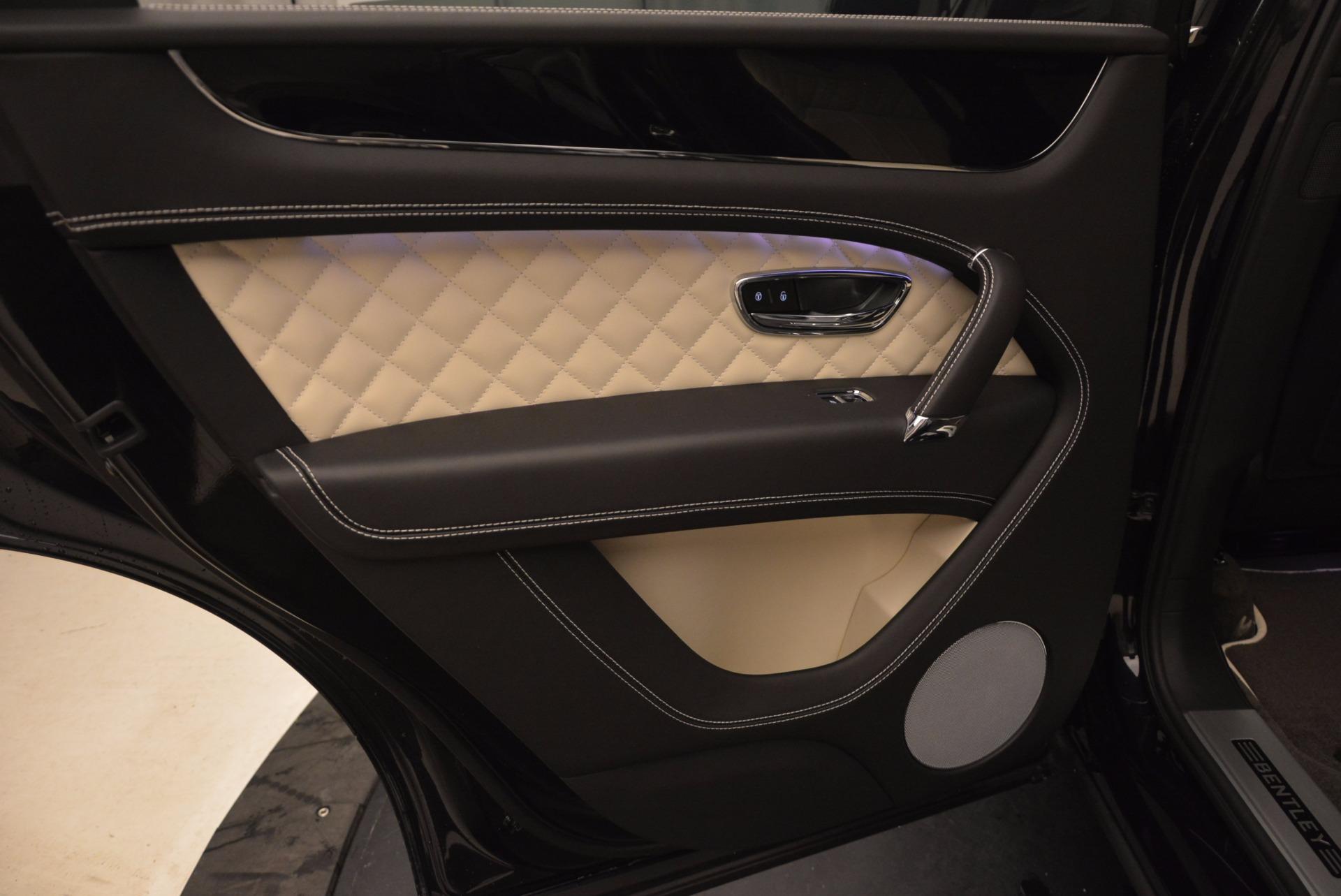 New 2018 Bentley Bentayga Signature For Sale In Westport, CT 1424_p30