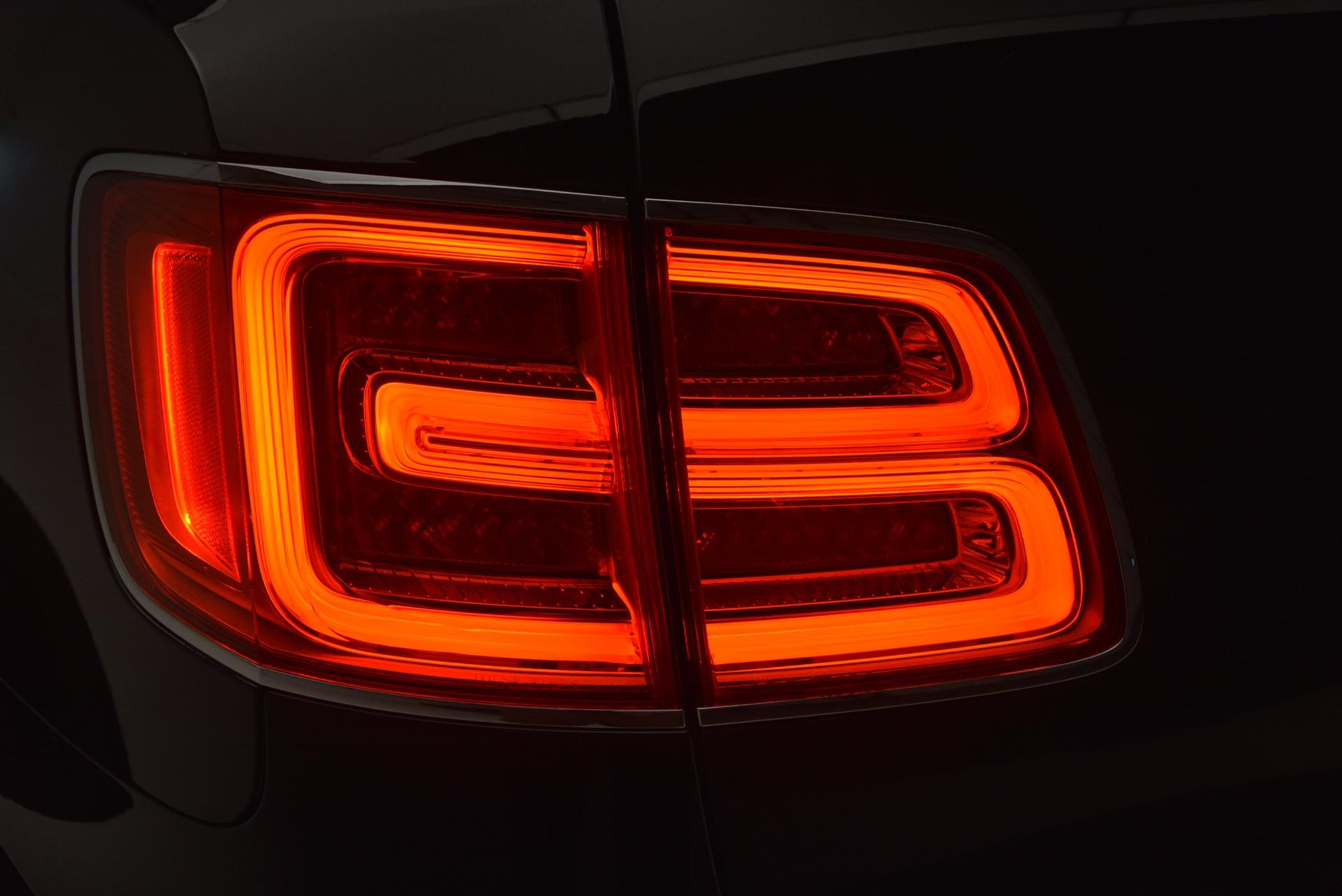 New 2018 Bentley Bentayga Signature For Sale In Westport, CT 1424_p35