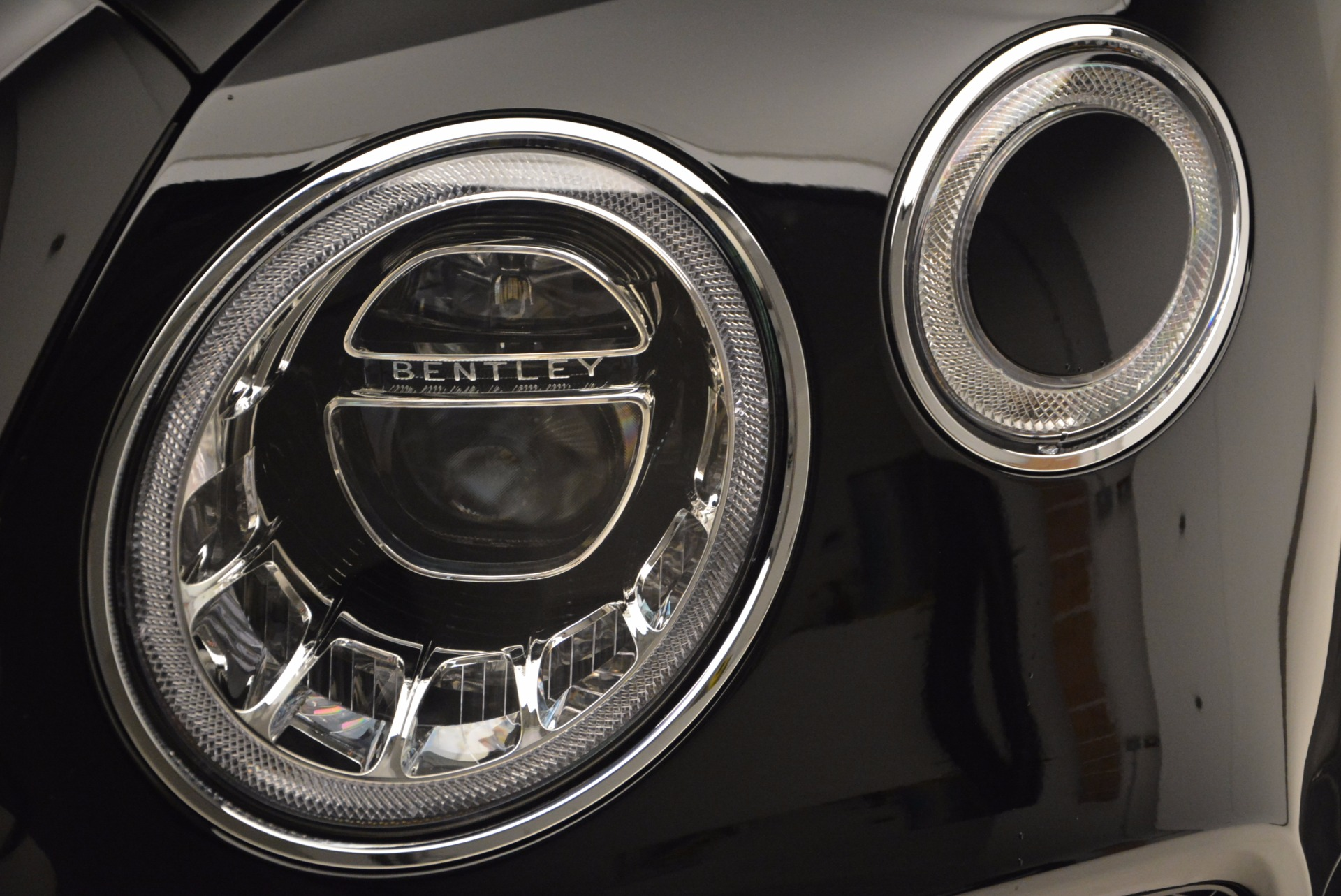 New 2018 Bentley Bentayga Onyx For Sale In Westport, CT 1428_p15