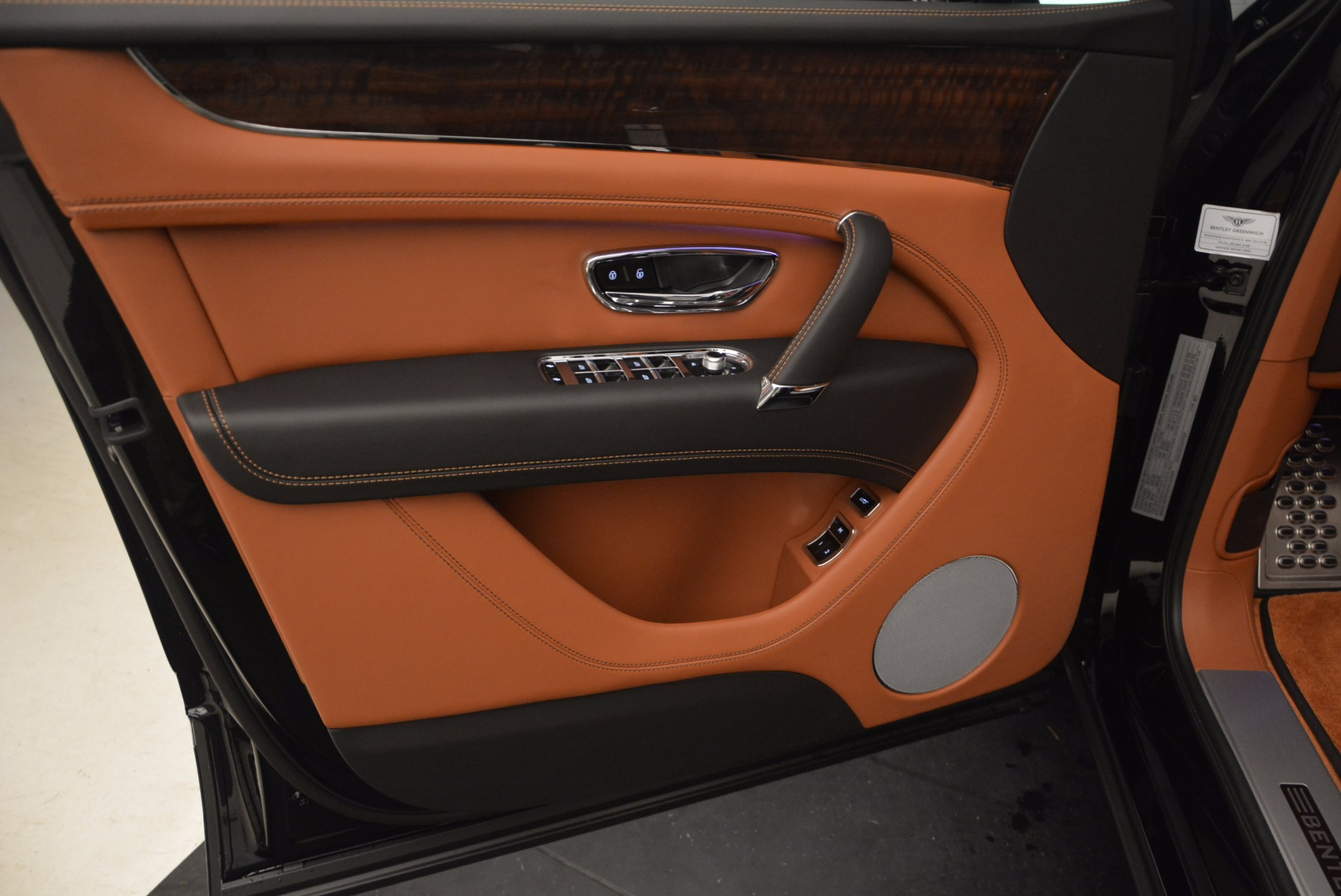 New 2018 Bentley Bentayga Onyx For Sale In Westport, CT 1428_p22
