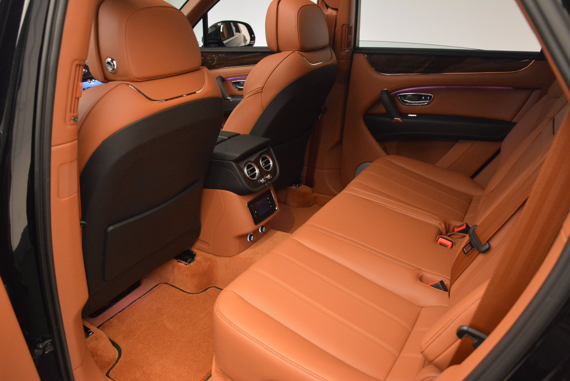 New 2018 Bentley Bentayga Onyx For Sale In Westport, CT 1428_p31