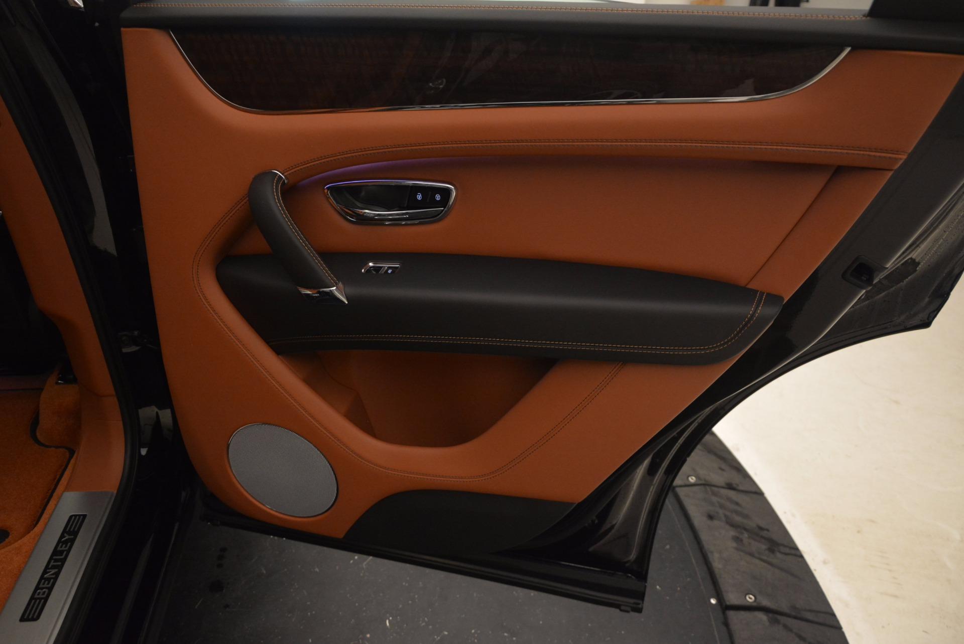 New 2018 Bentley Bentayga Onyx For Sale In Westport, CT 1428_p35
