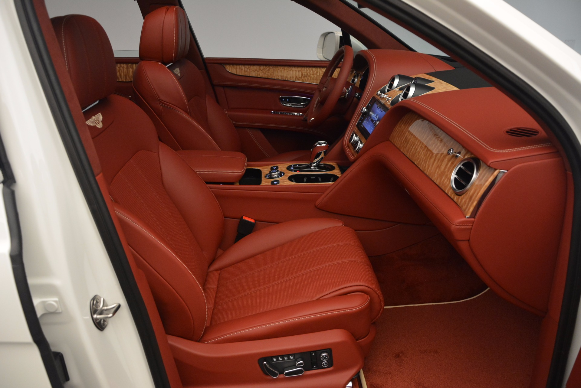 New 2018 Bentley Bentayga Onyx Edition For Sale In Westport, CT 1429_p41