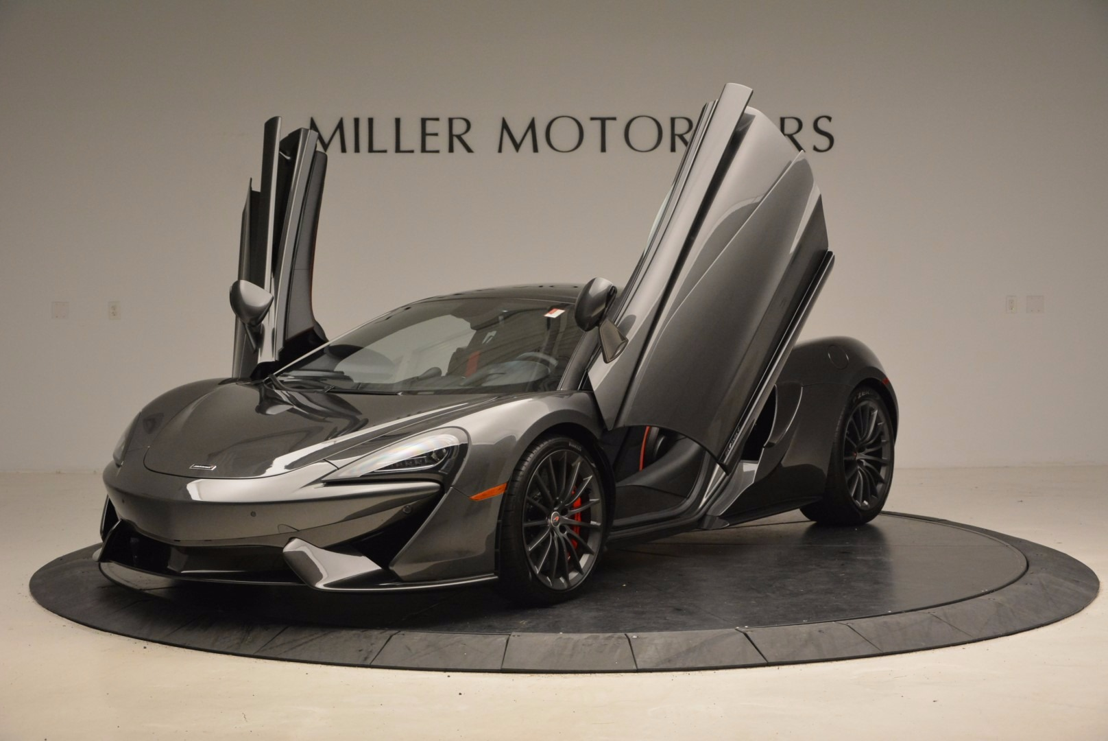 New 2017 McLaren 570GT  For Sale In Westport, CT 1451_p14