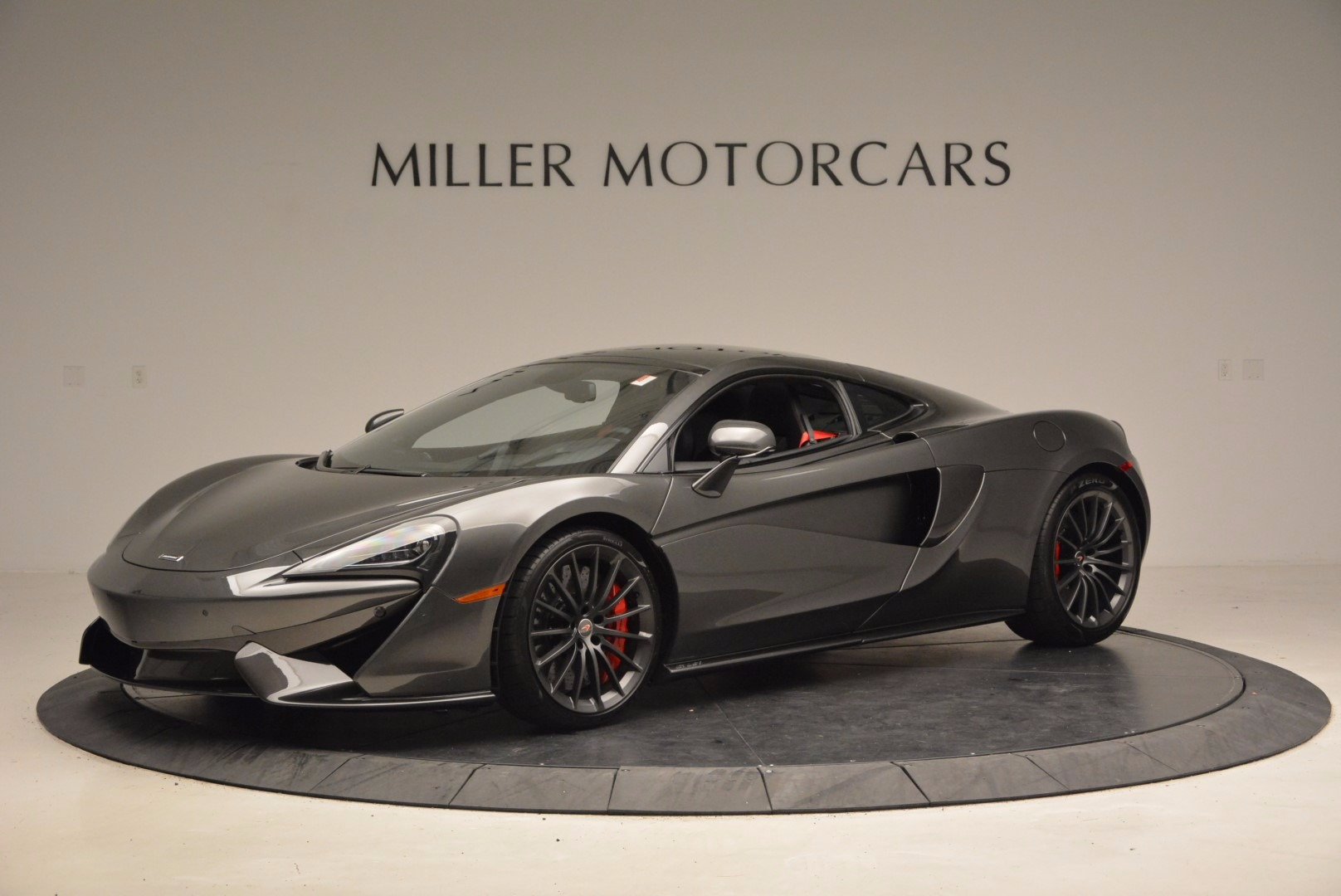 New 2017 McLaren 570GT  For Sale In Westport, CT 1451_p2