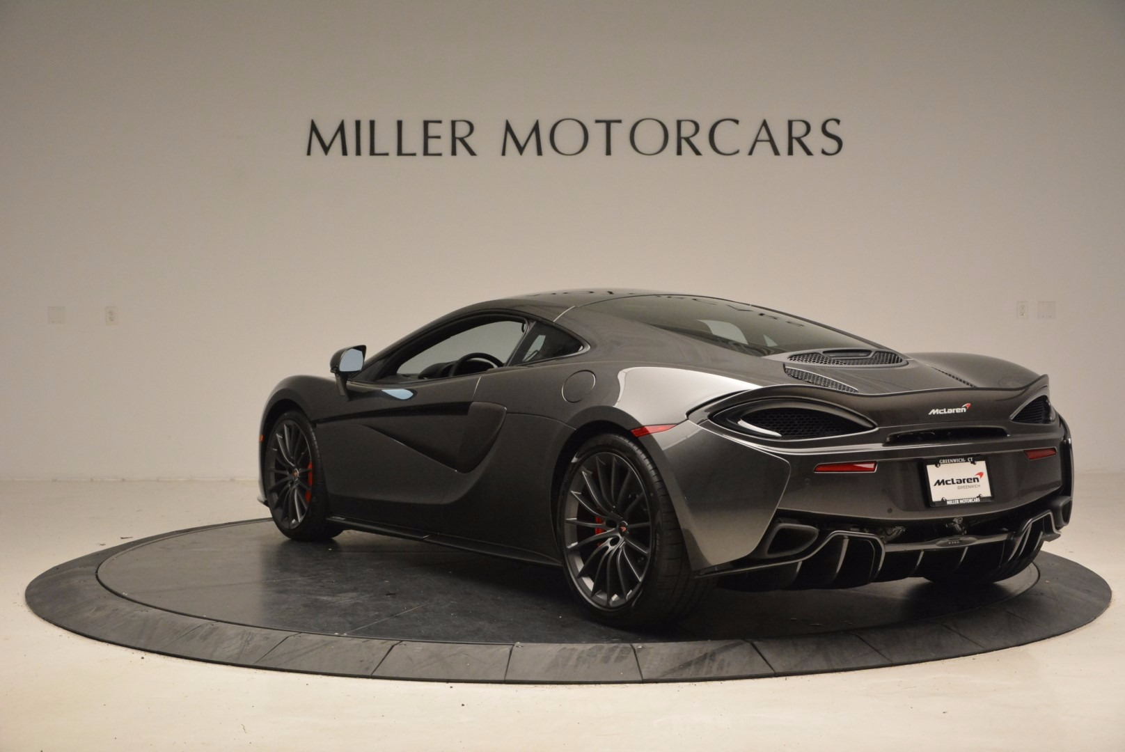 New 2017 McLaren 570GT  For Sale In Westport, CT 1451_p5
