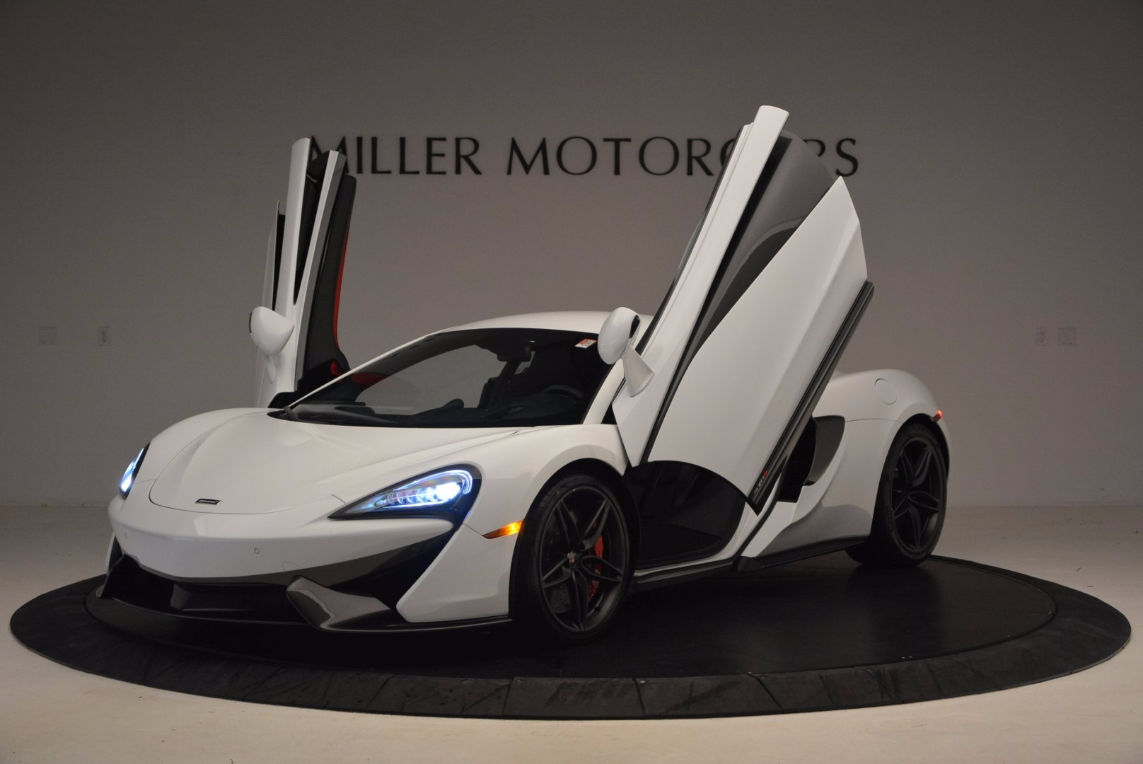 Used 2017 McLaren 570S  For Sale In Westport, CT 1454_p14
