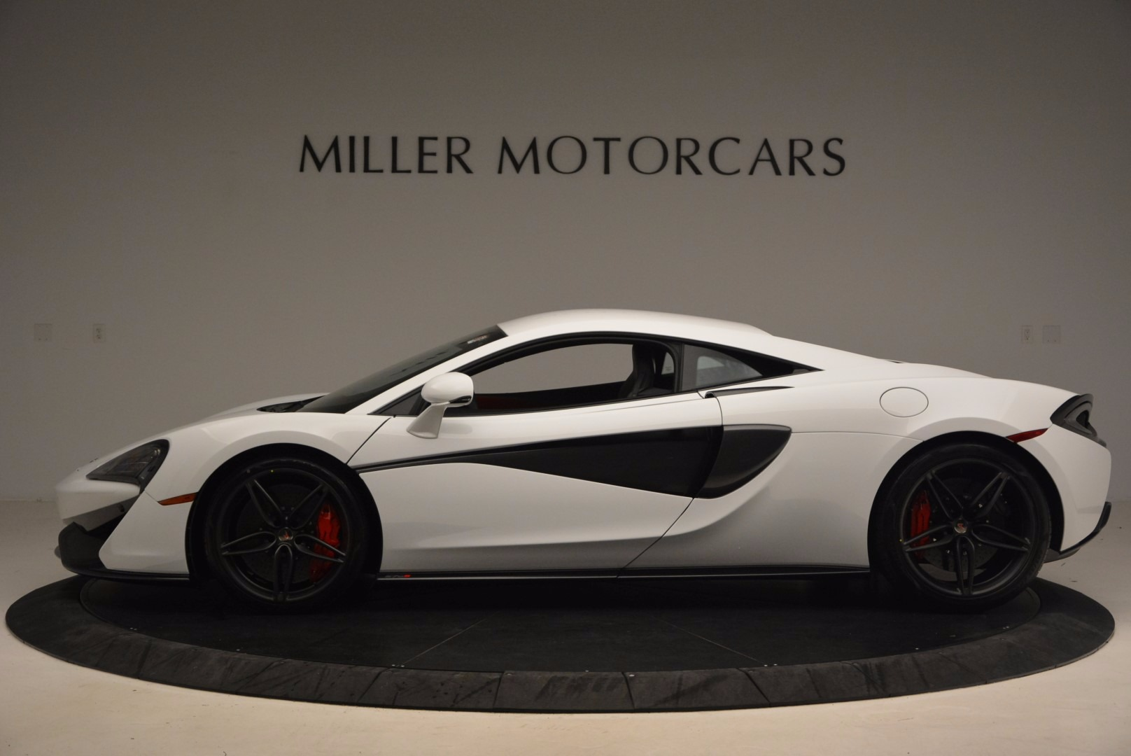 Used 2017 McLaren 570S  For Sale In Westport, CT 1454_p3