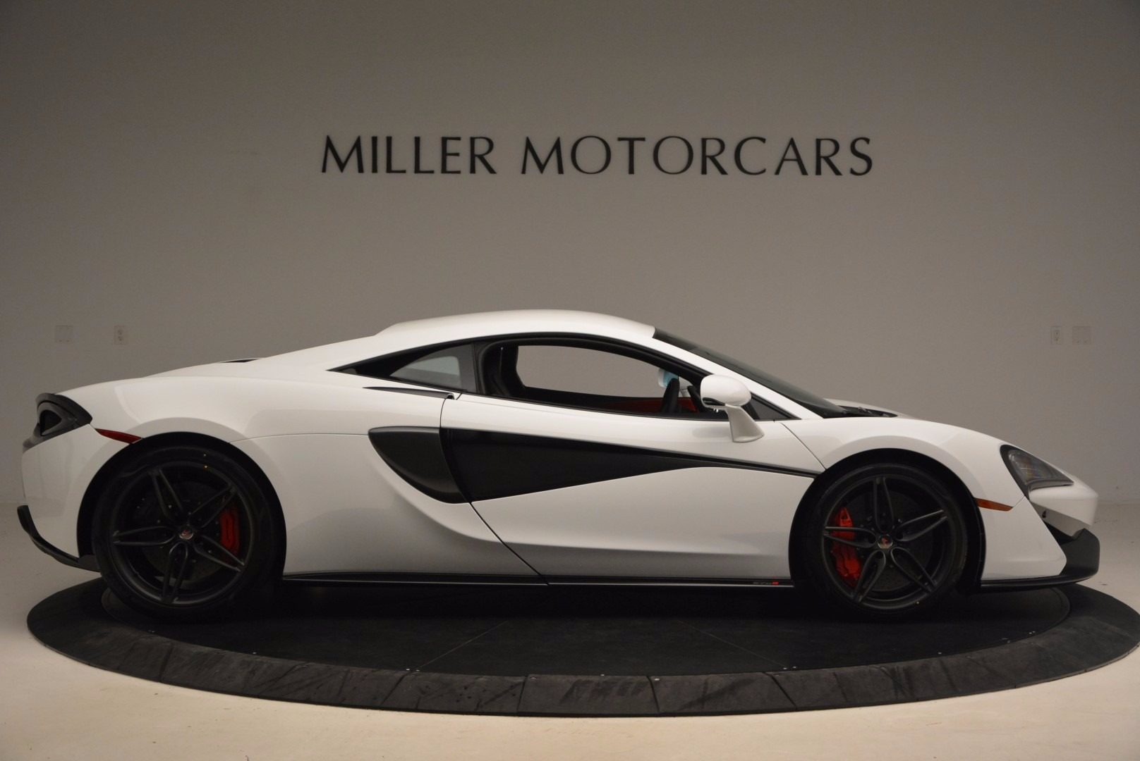 Used 2017 McLaren 570S  For Sale In Westport, CT 1454_p9