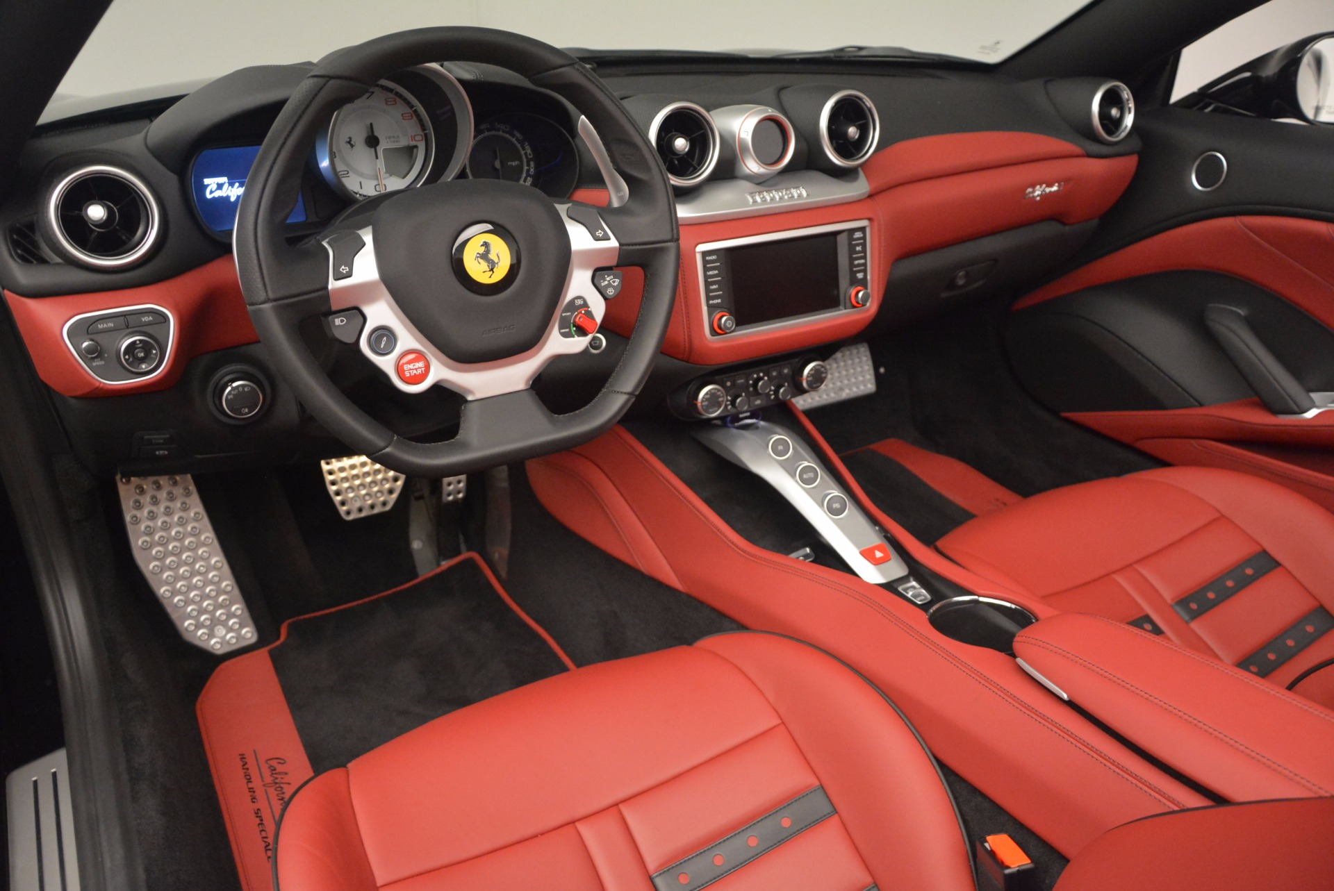 Used 2016 Ferrari California T Handling Speciale For Sale In Westport, CT 1458_p25