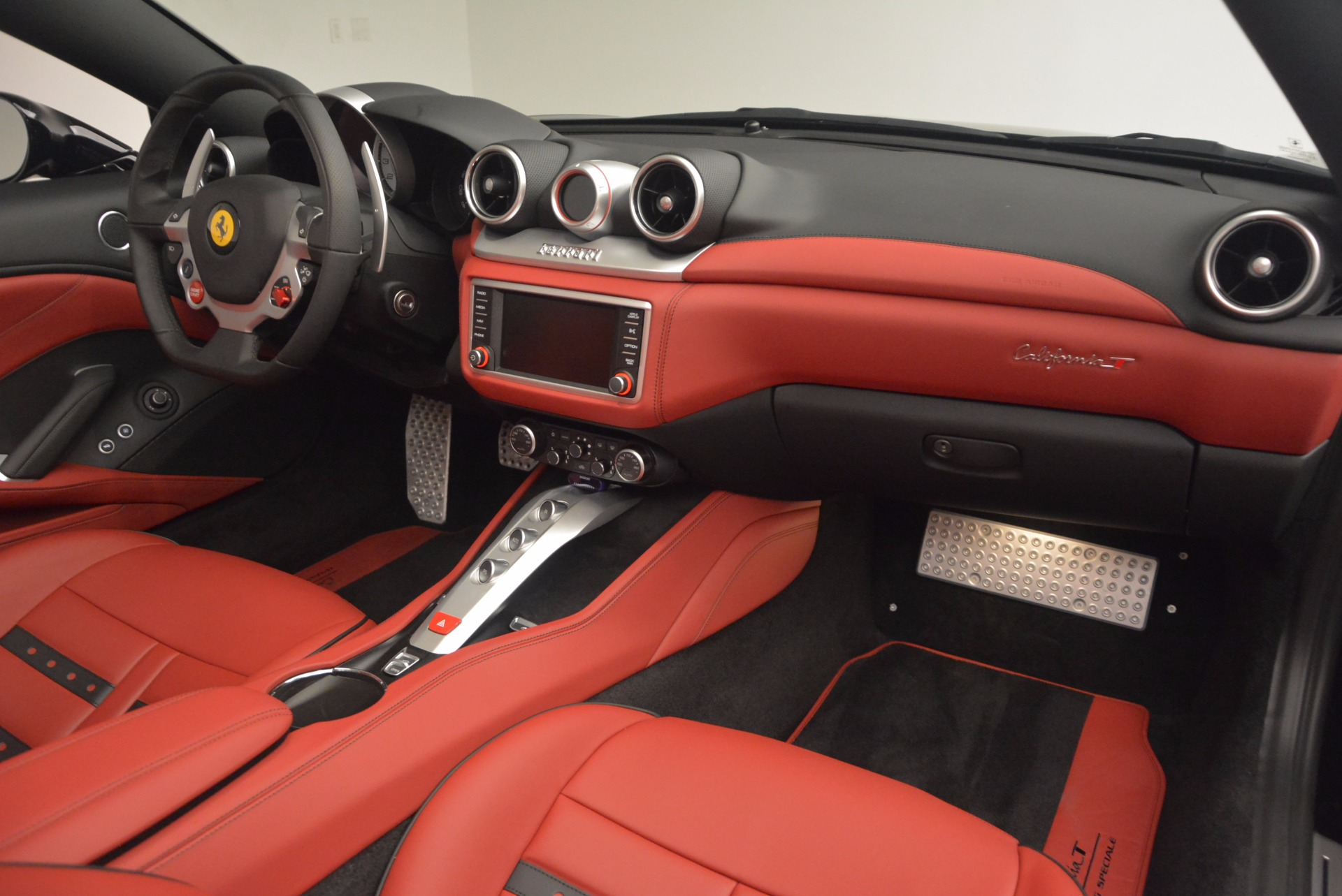Used 2016 Ferrari California T Handling Speciale For Sale In Westport, CT 1458_p30