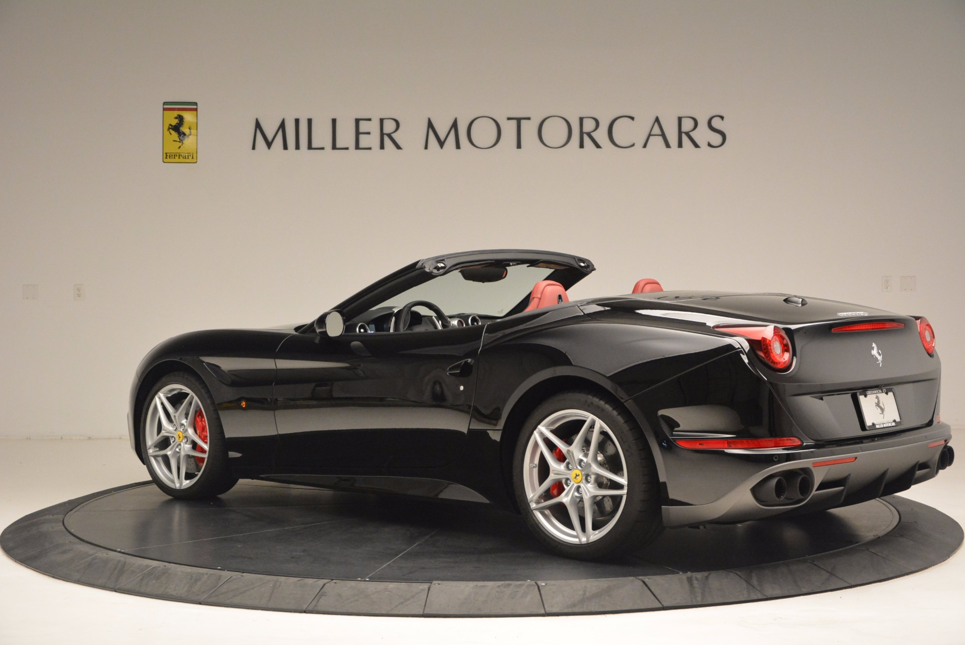 Used 2016 Ferrari California T Handling Speciale For Sale In Westport, CT 1458_p4