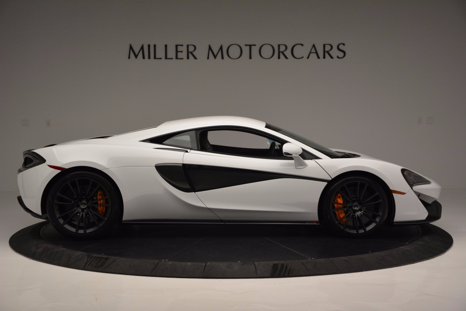 Used 2016 McLaren 570S  For Sale In Westport, CT 1464_p9