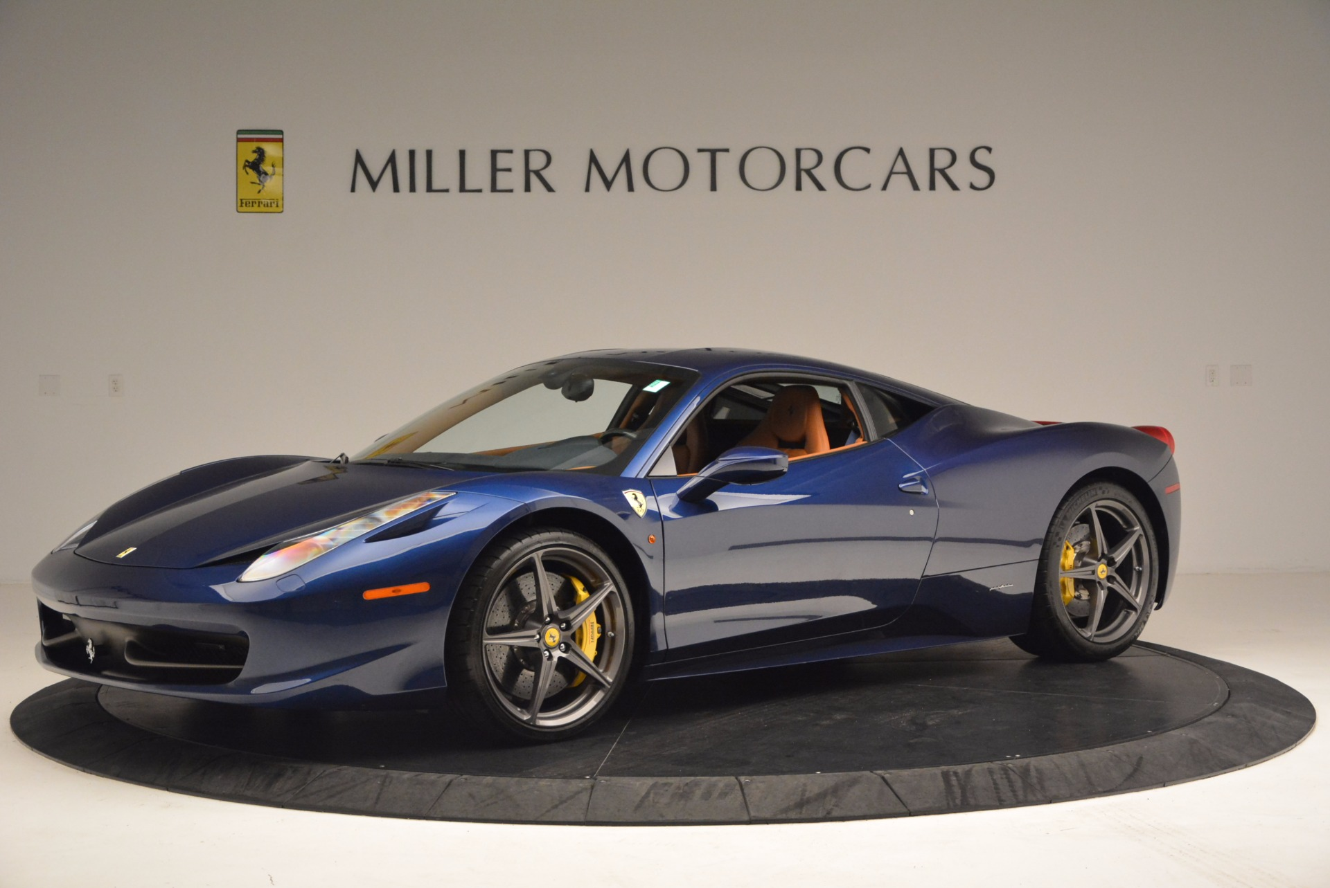 Used 2013 Ferrari 458 Italia  For Sale In Westport, CT 1465_p2