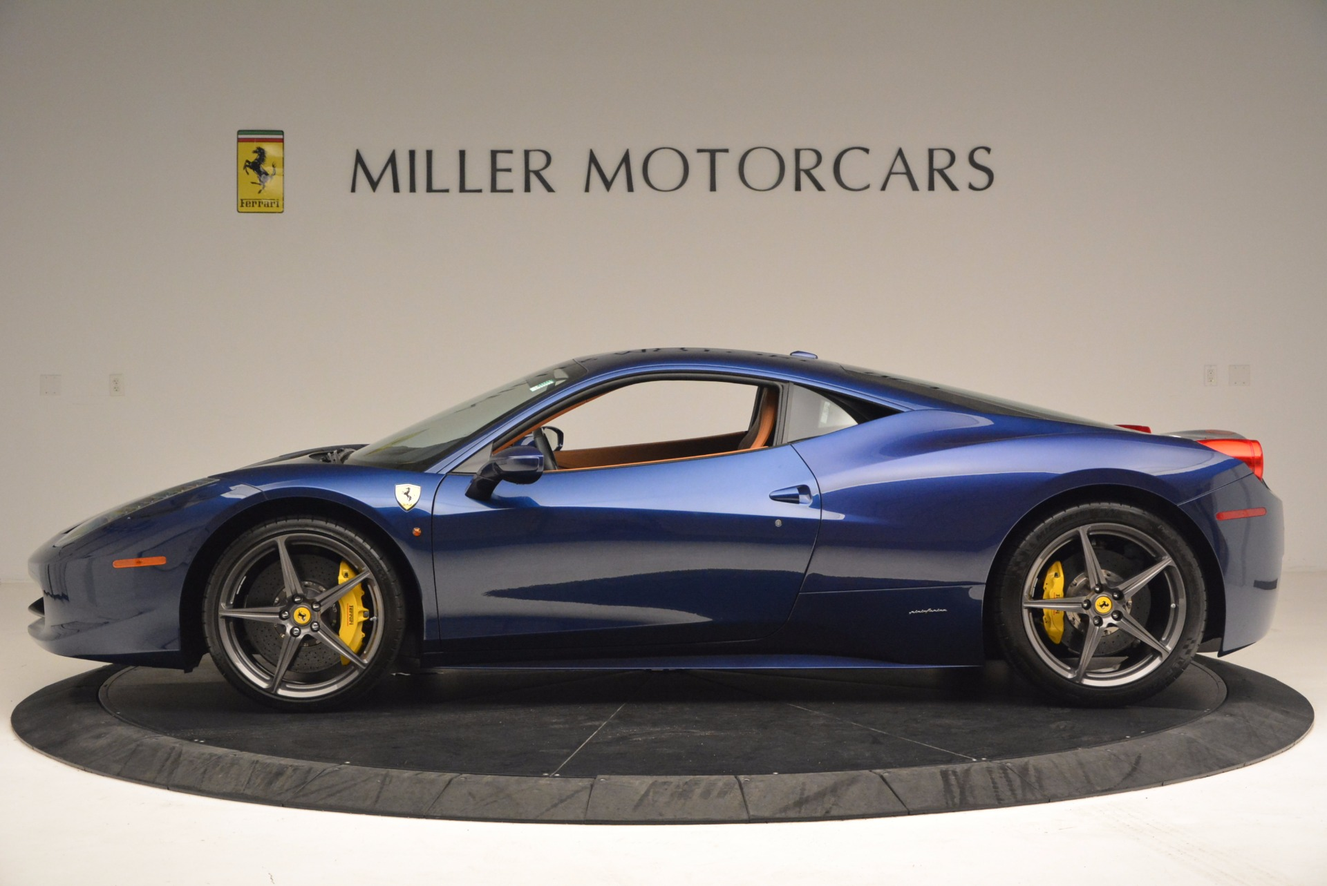 Used 2013 Ferrari 458 Italia  For Sale In Westport, CT 1465_p3