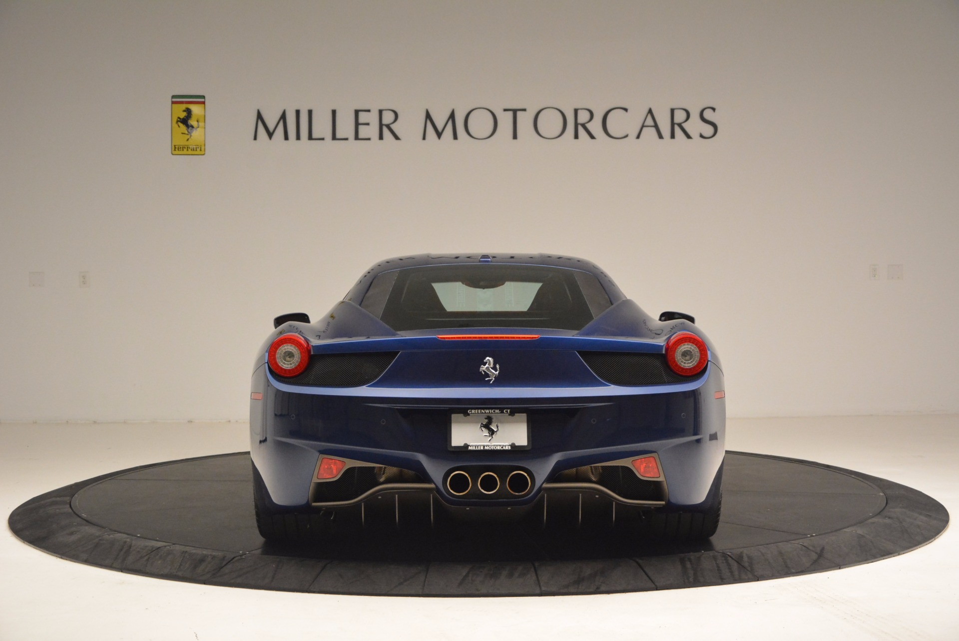 Used 2013 Ferrari 458 Italia  For Sale In Westport, CT 1465_p6