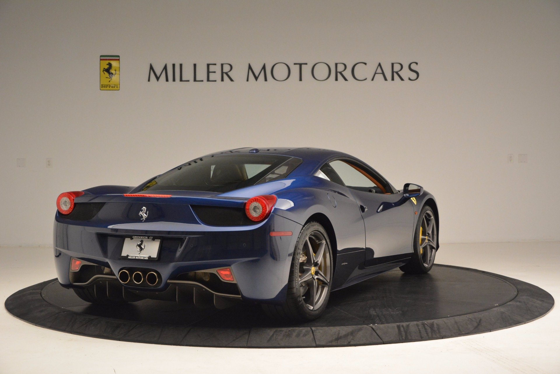 Used 2013 Ferrari 458 Italia  For Sale In Westport, CT 1465_p7