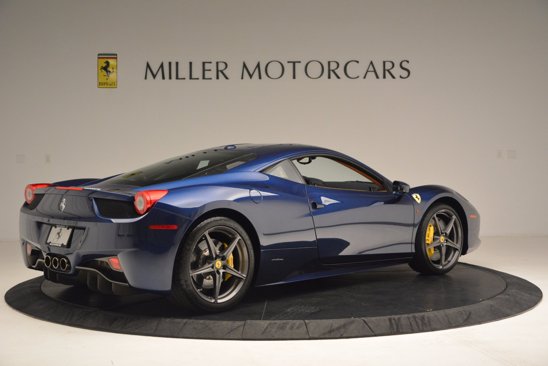 Used 2013 Ferrari 458 Italia  For Sale In Westport, CT 1465_p8