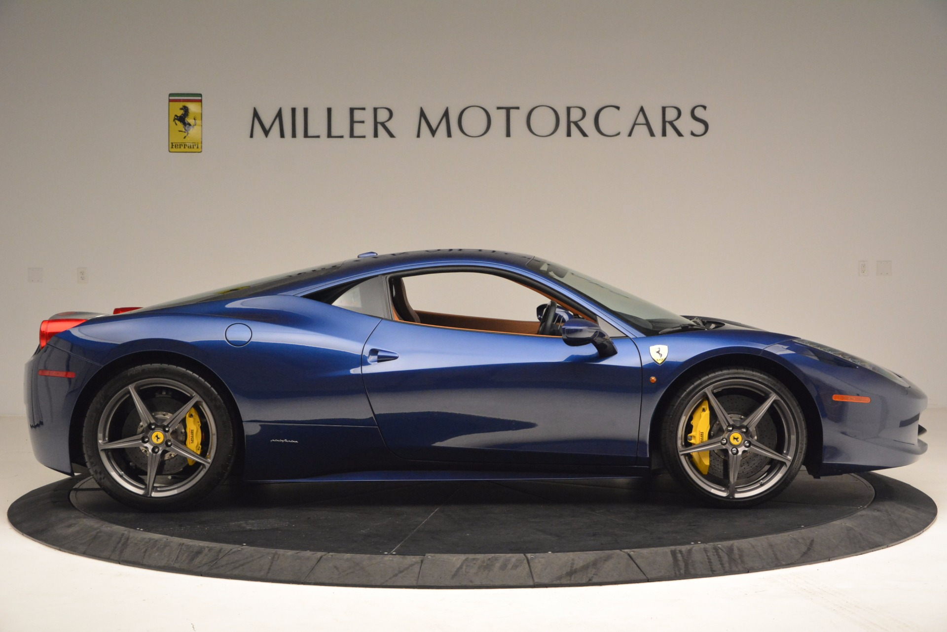 Used 2013 Ferrari 458 Italia  For Sale In Westport, CT 1465_p9