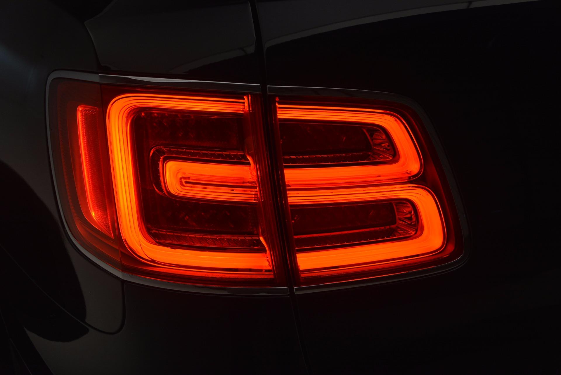 Used 2018 Bentley Bentayga W12 Signature For Sale In Westport, CT 1468_p33
