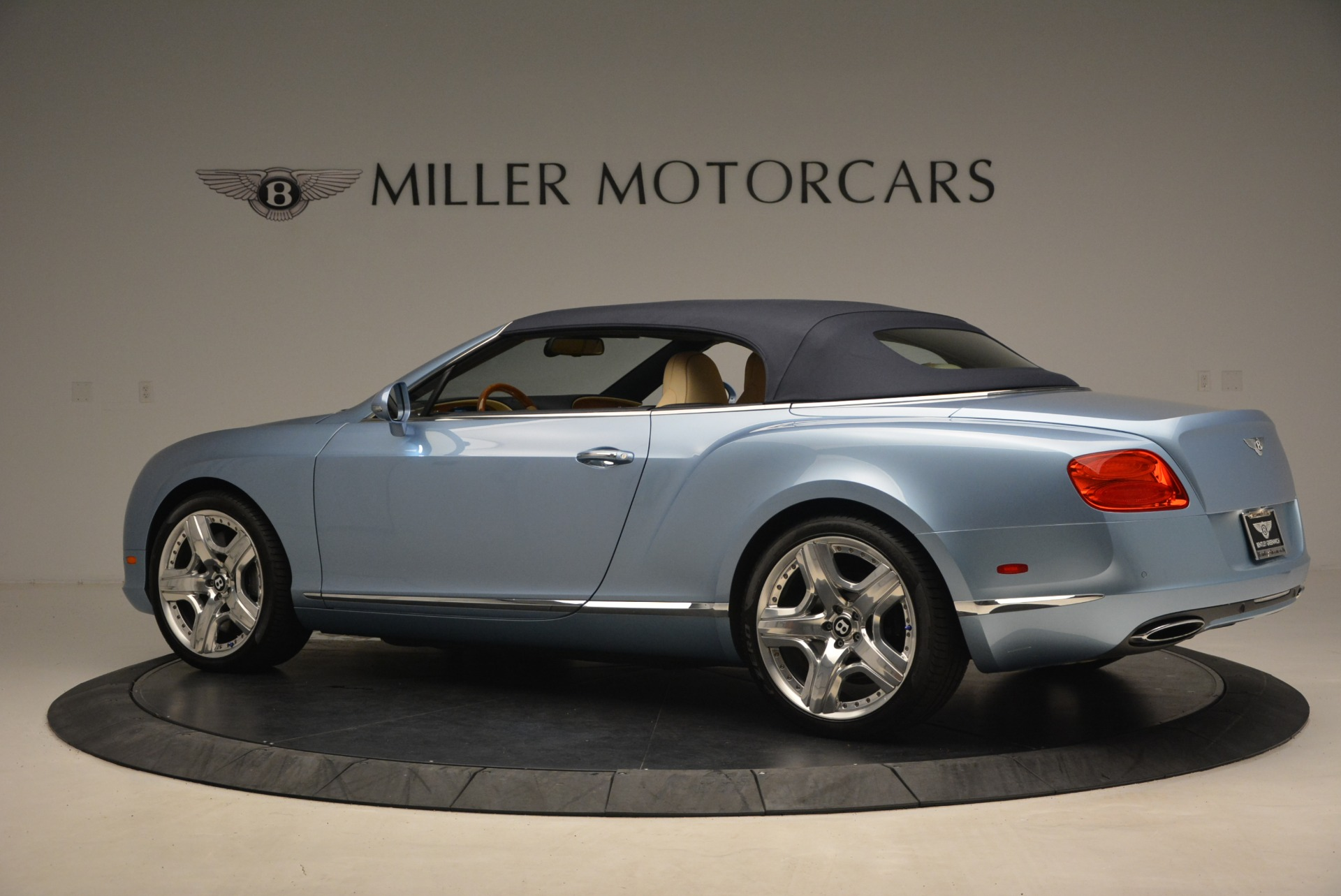 Used 2012 Bentley Continental GTC W12 For Sale In Westport, CT 1475_p16