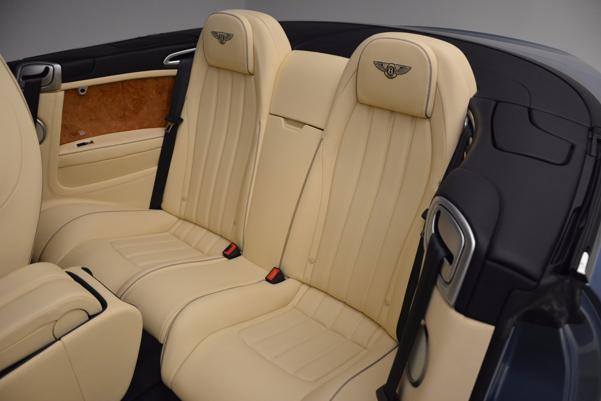 Used 2012 Bentley Continental GTC W12 For Sale In Westport, CT 1475_p37