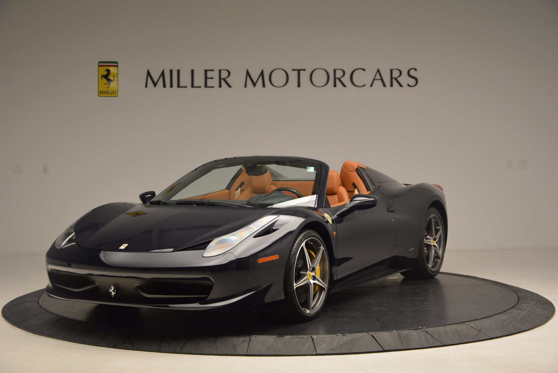 Used 2015 Ferrari 458 Spider  For Sale In Westport, CT 1477_main