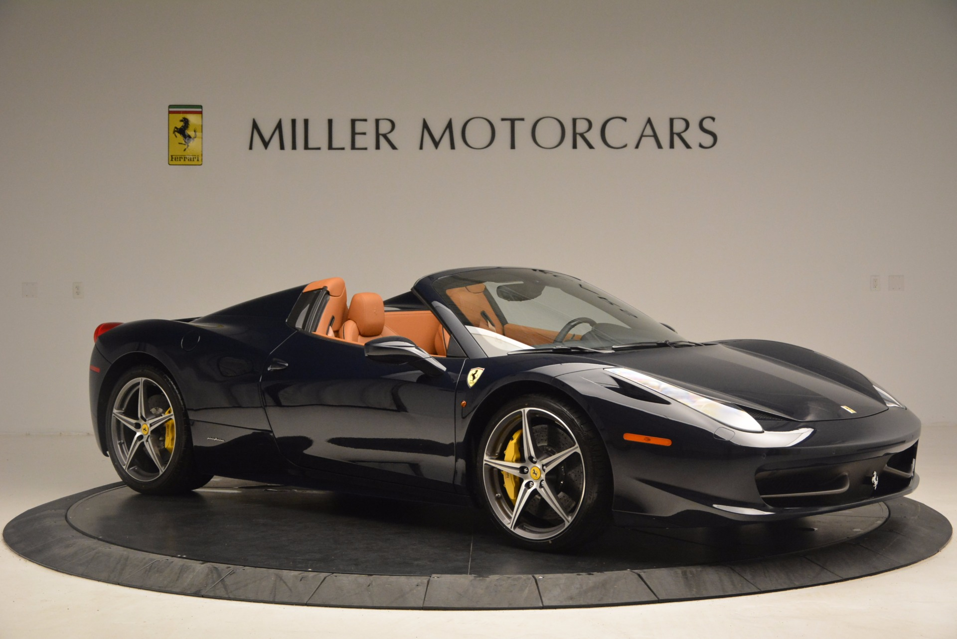 Used 2015 Ferrari 458 Spider  For Sale In Westport, CT 1477_p10