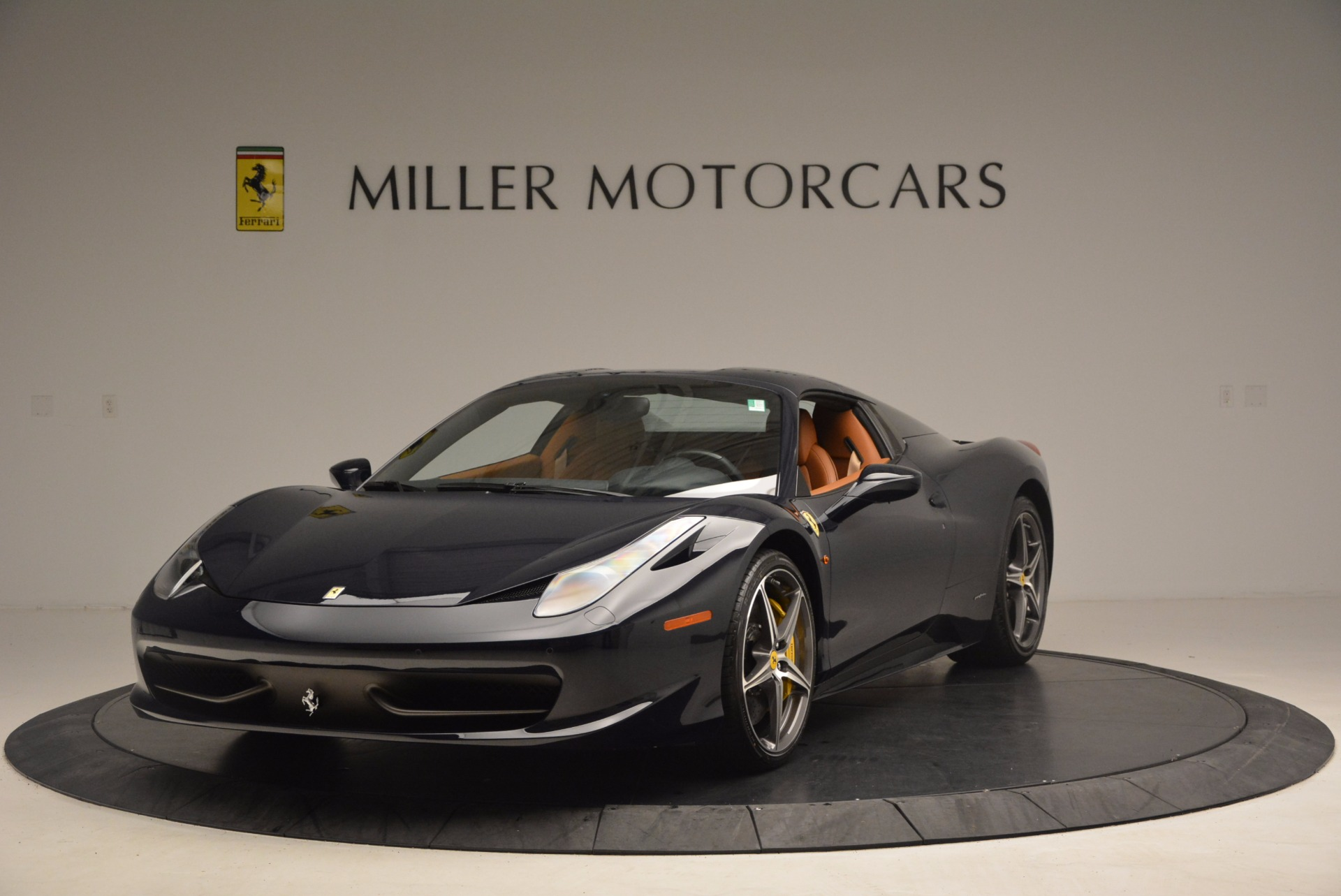 Used 2015 Ferrari 458 Spider  For Sale In Westport, CT 1477_p11