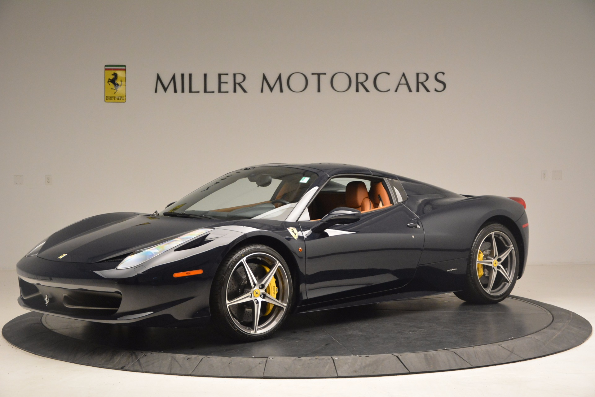 Used 2015 Ferrari 458 Spider  For Sale In Westport, CT 1477_p12