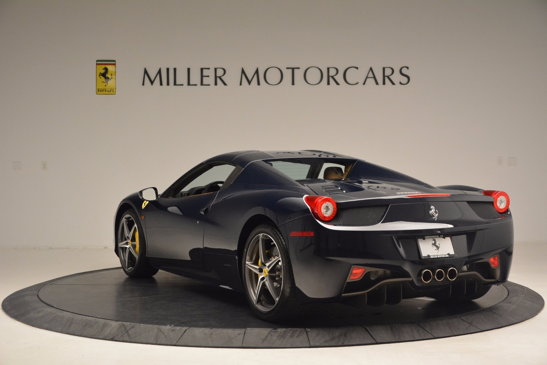 Used 2015 Ferrari 458 Spider  For Sale In Westport, CT 1477_p15