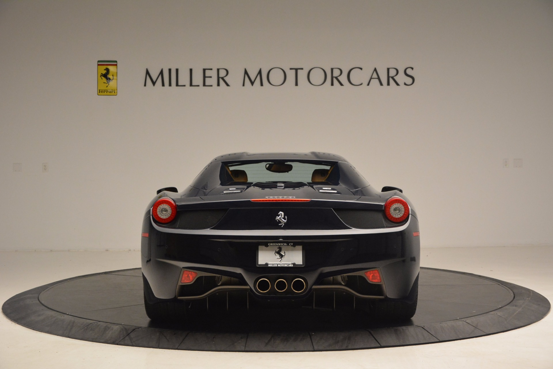 Used 2015 Ferrari 458 Spider  For Sale In Westport, CT 1477_p16
