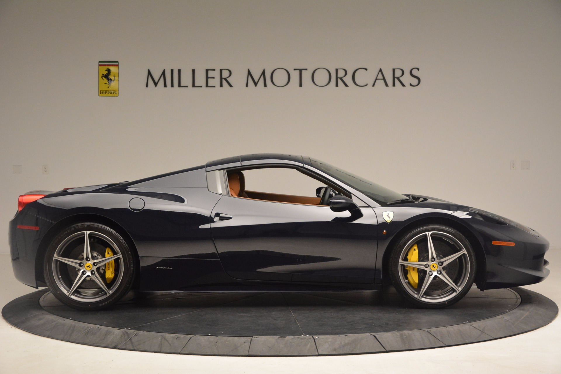 Used 2015 Ferrari 458 Spider  For Sale In Westport, CT 1477_p19