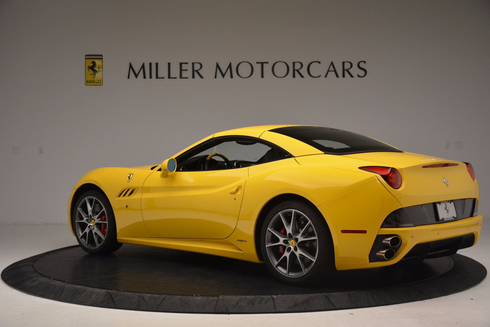 Used 2011 Ferrari California  For Sale In Westport, CT 1481_p16