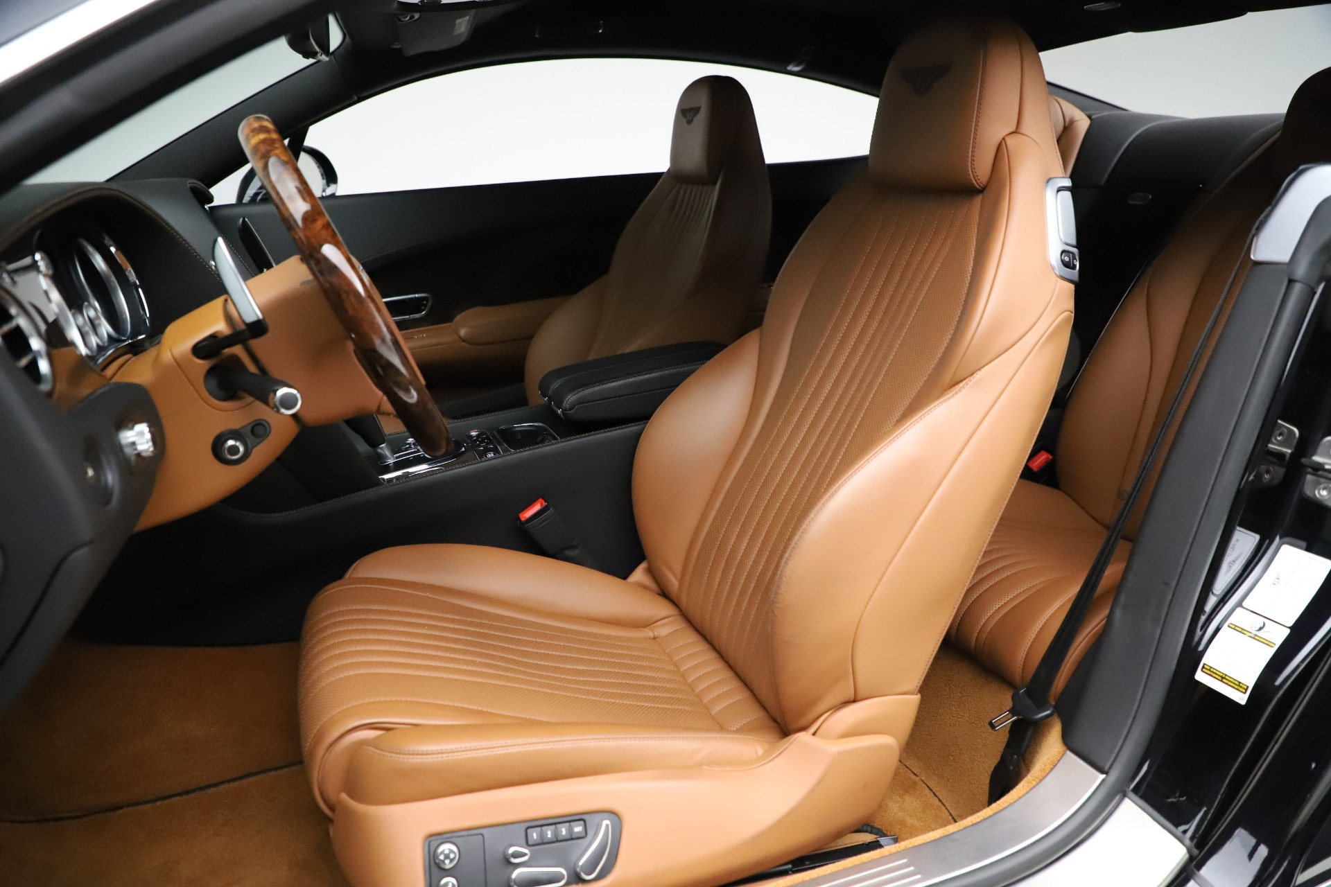 New 2017 Bentley Continental GT W12 For Sale In Westport, CT 1501_p18