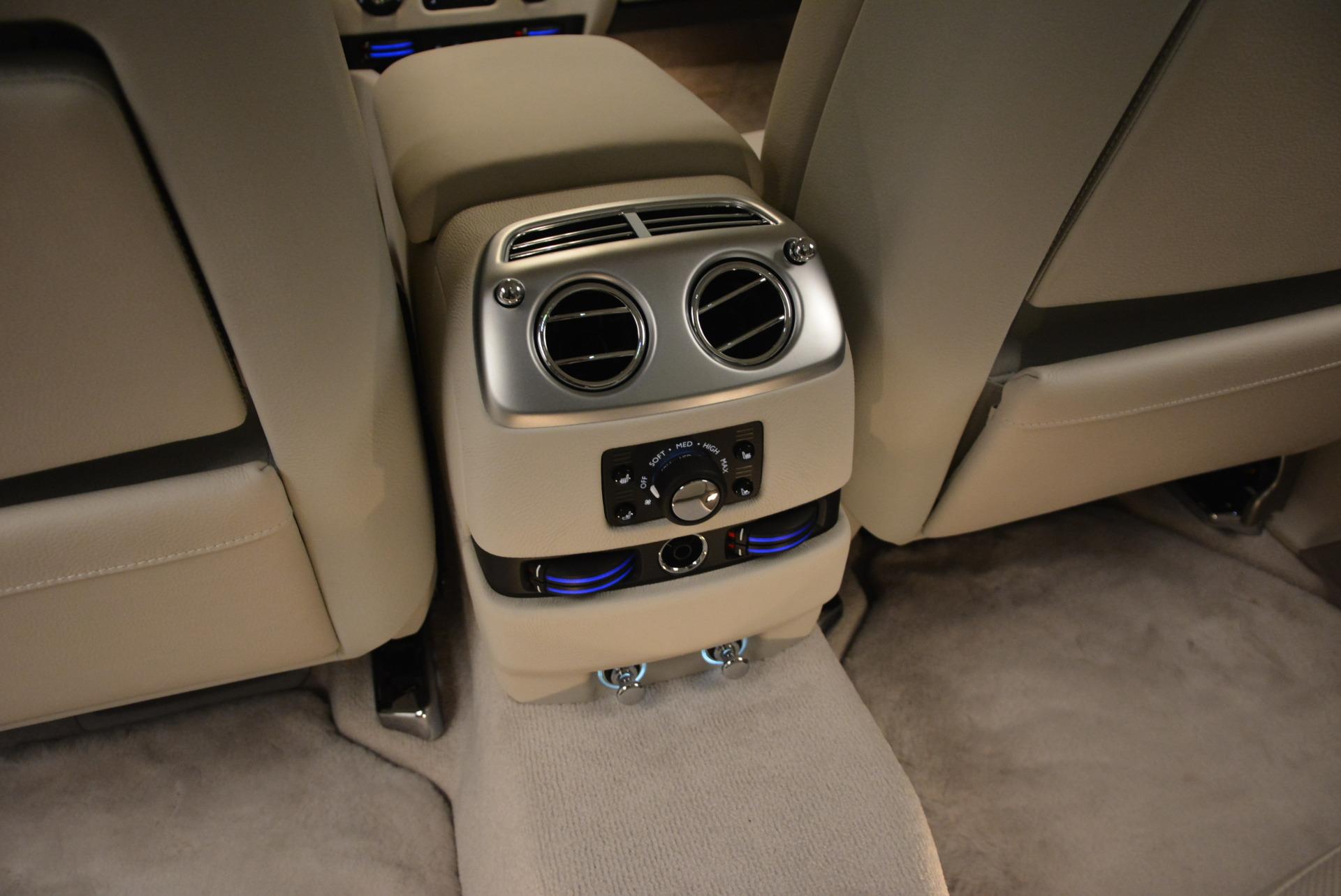 Used 2010 Rolls-Royce Ghost  For Sale In Westport, CT 1504_p27