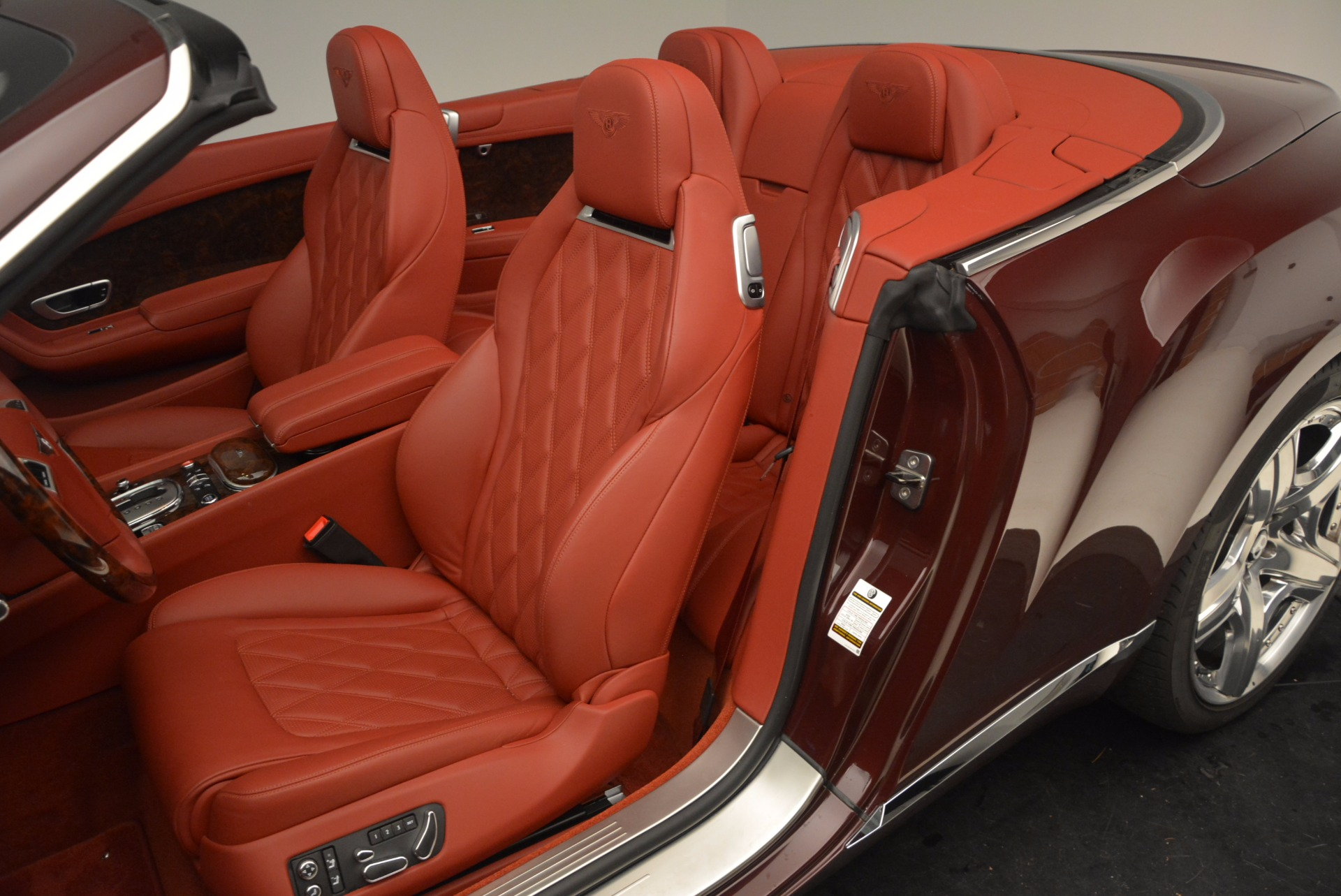 Used 2014 Bentley Continental GT W12 For Sale In Westport, CT 1516_p32